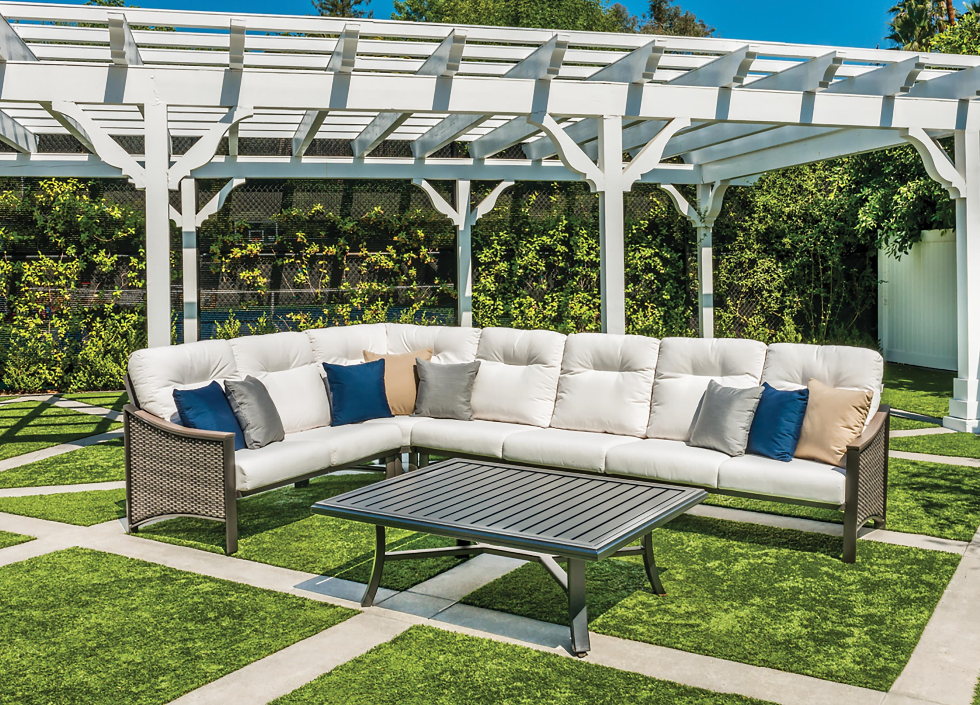 Brazo 3PC Sectional with 2 Throw Pillows by Tropitone at Johnny Janosik