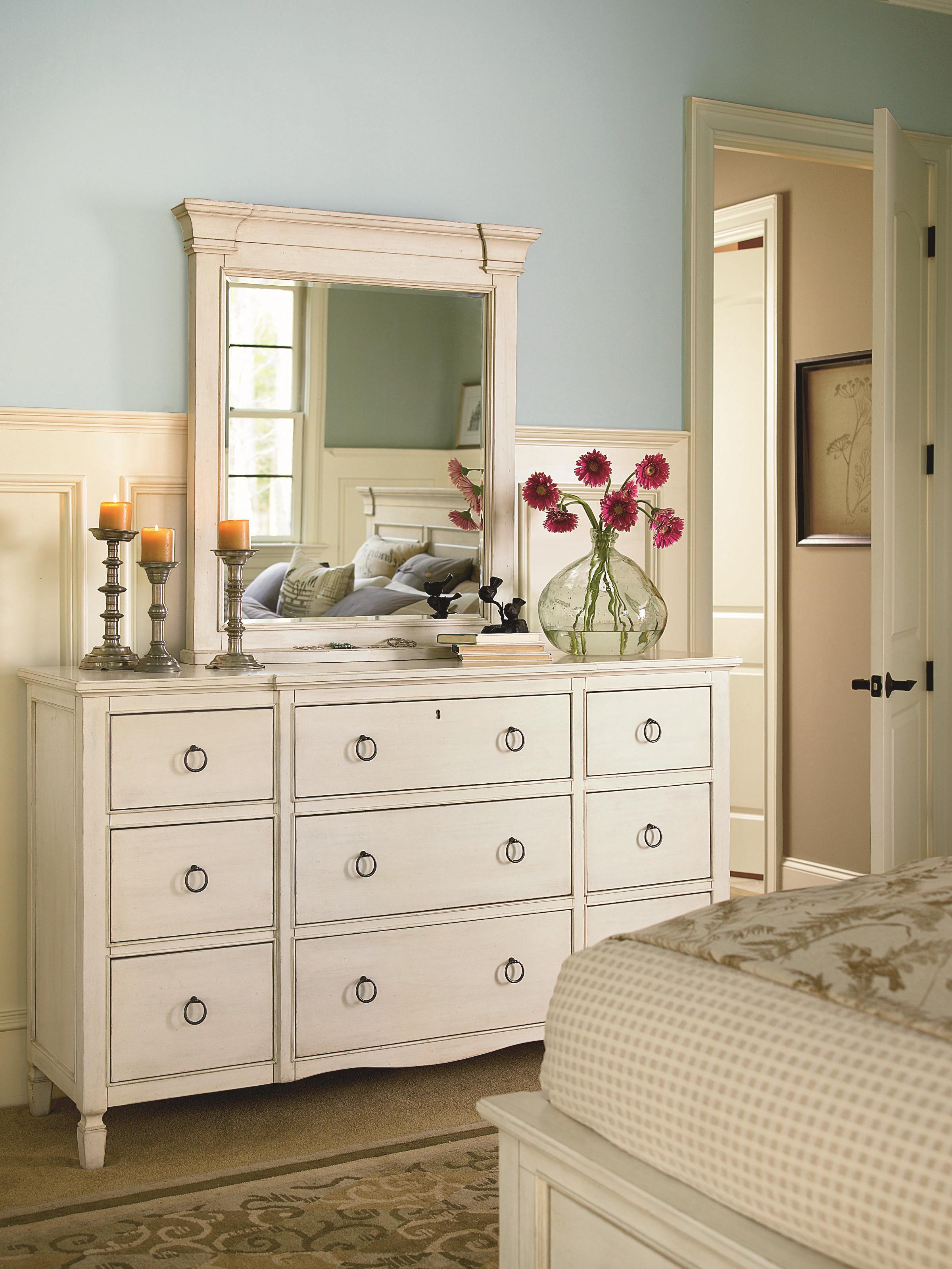 Universal Summer Hill 987040 9 Drawer Dresser With Break