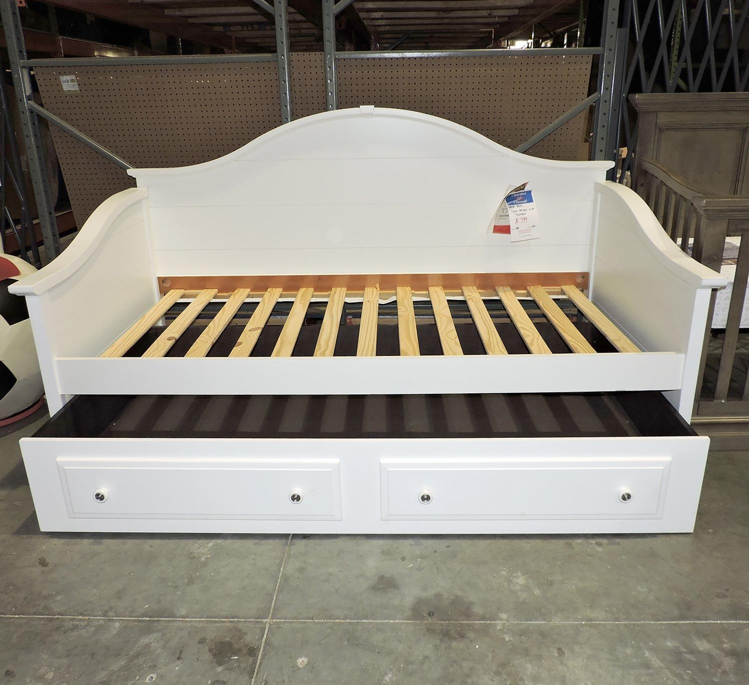 Vaughan Bassett     Twin Day Bed with Trundle - Item Number: PKG245823