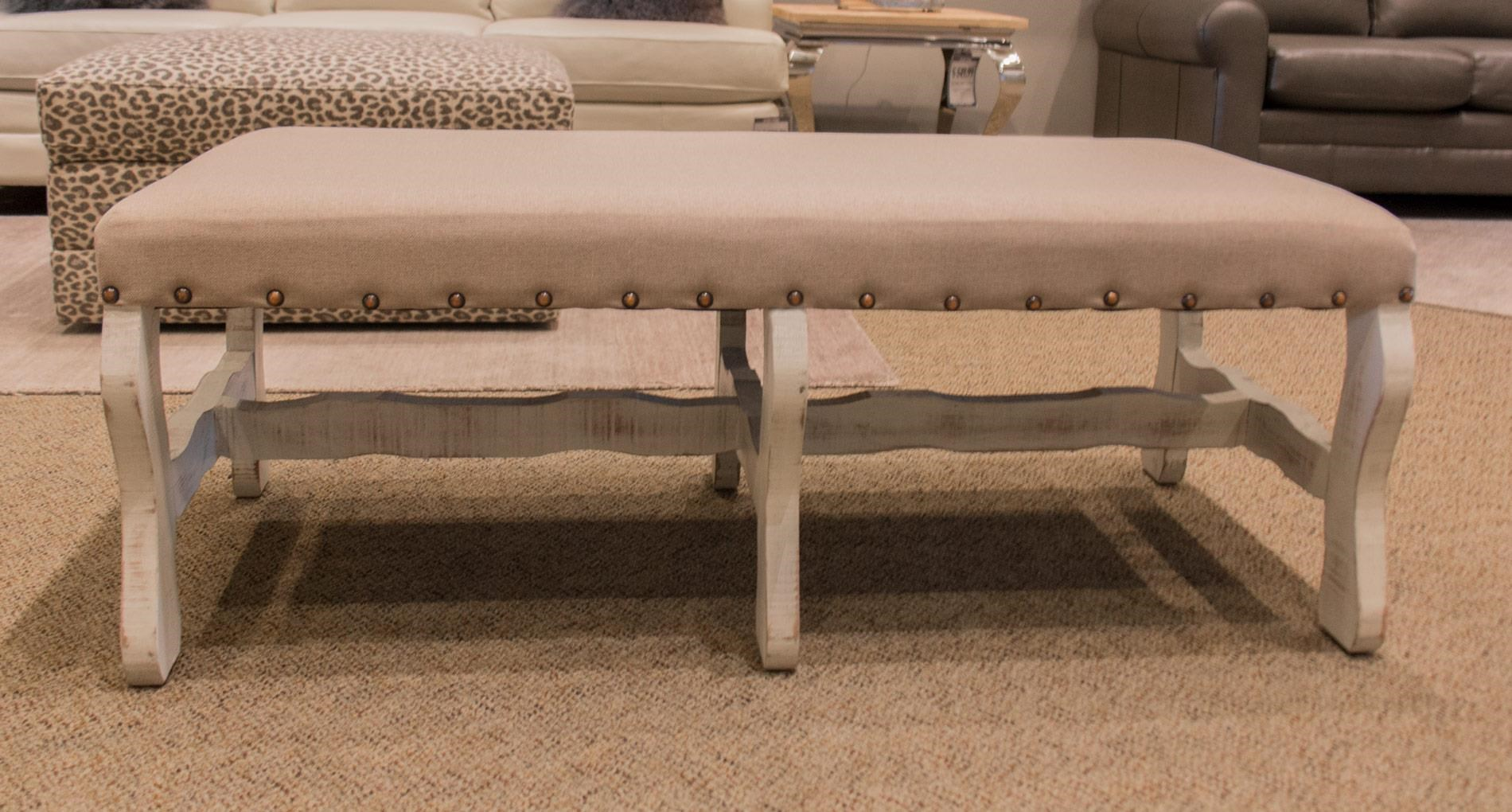 Vintage Accents Linen Bench in White - Item Number: F-MICBAN86-NERO-WHITE