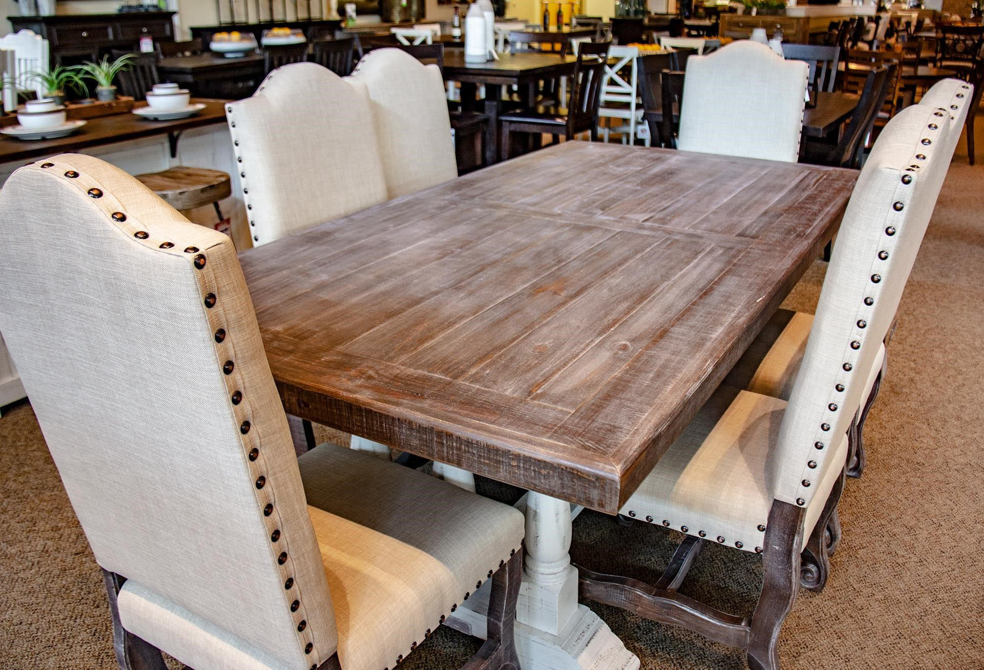 Pedestal Table with 6 Dining Chairs
