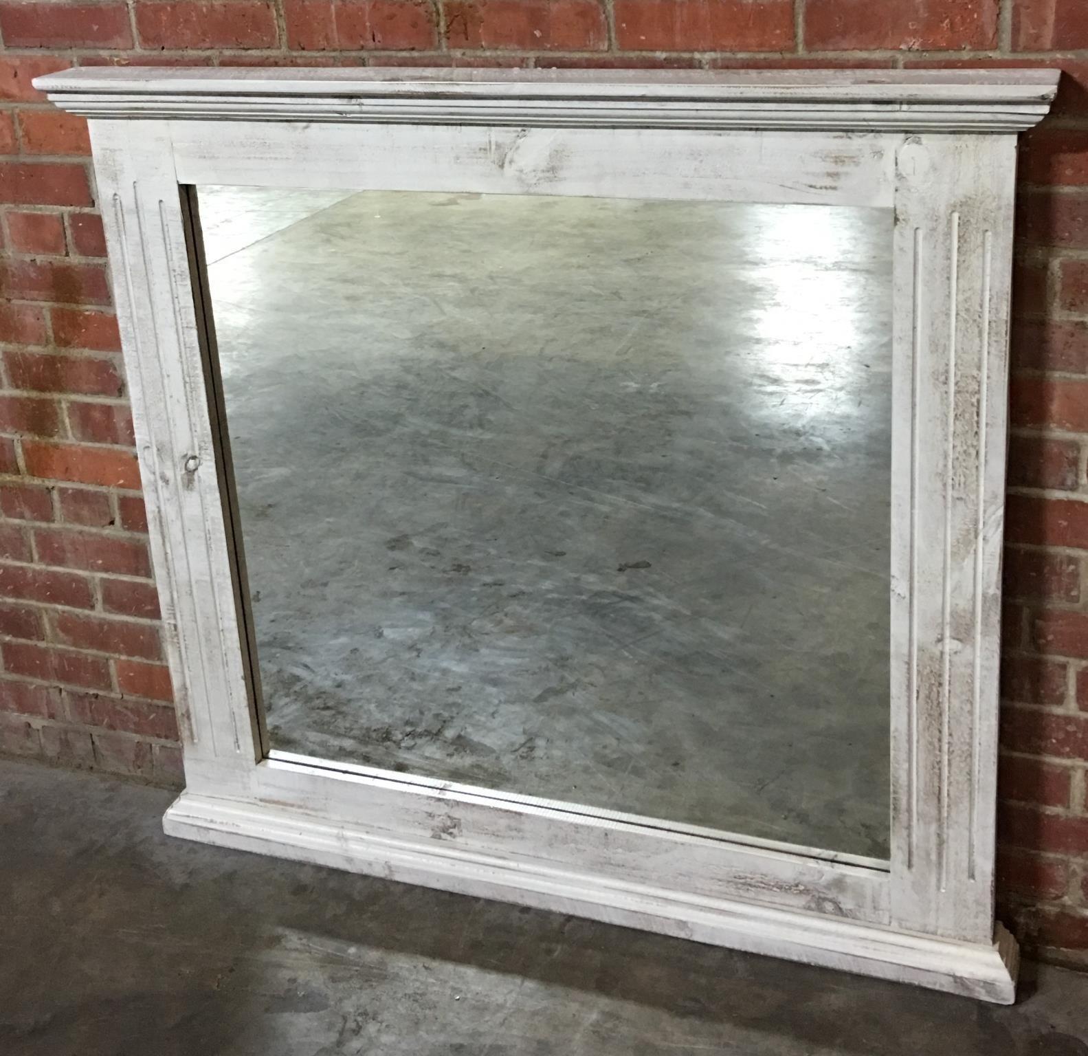Nero White Mirror