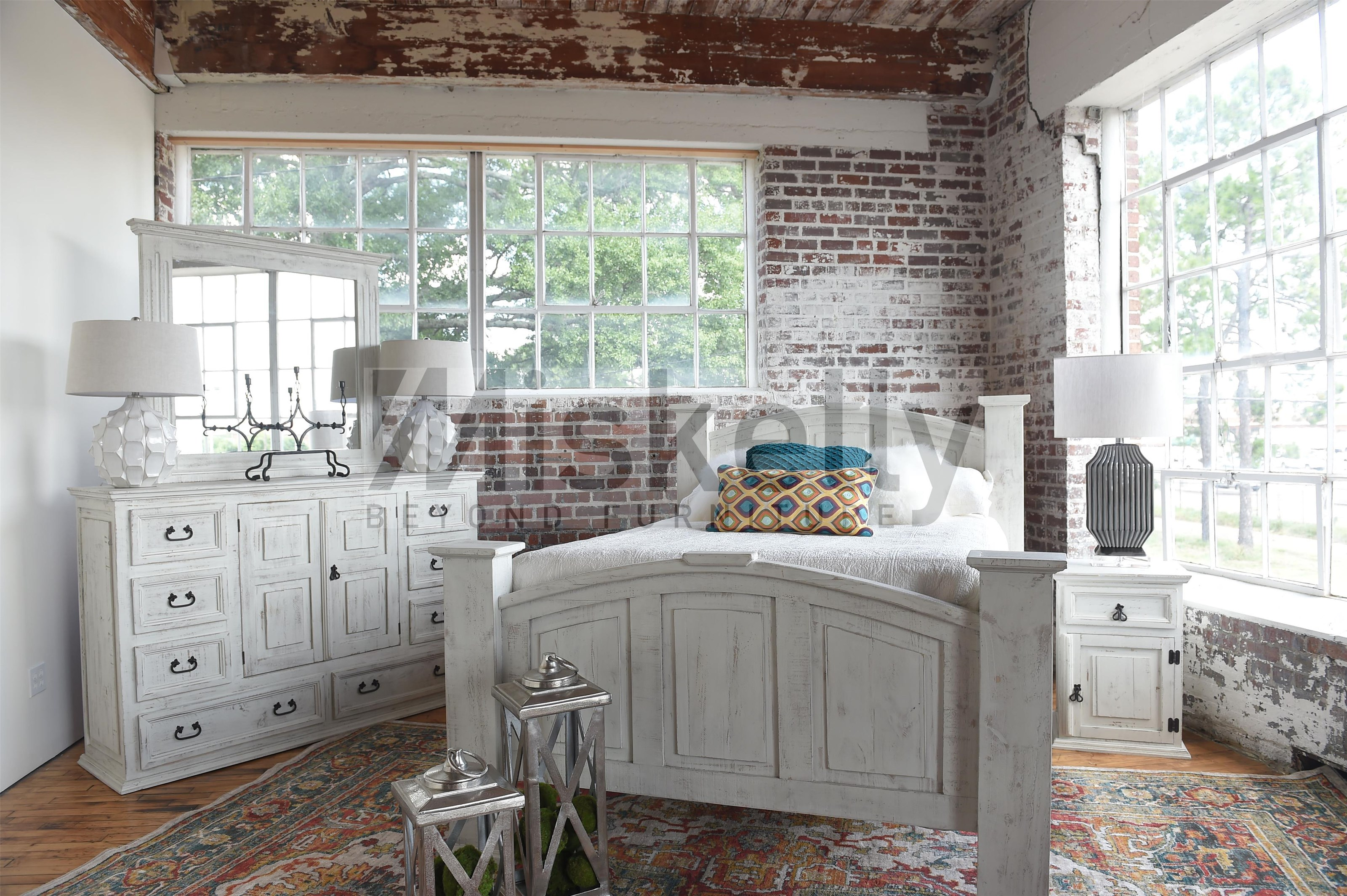 Queen Bed, Dresser, Mirror and Nighstand