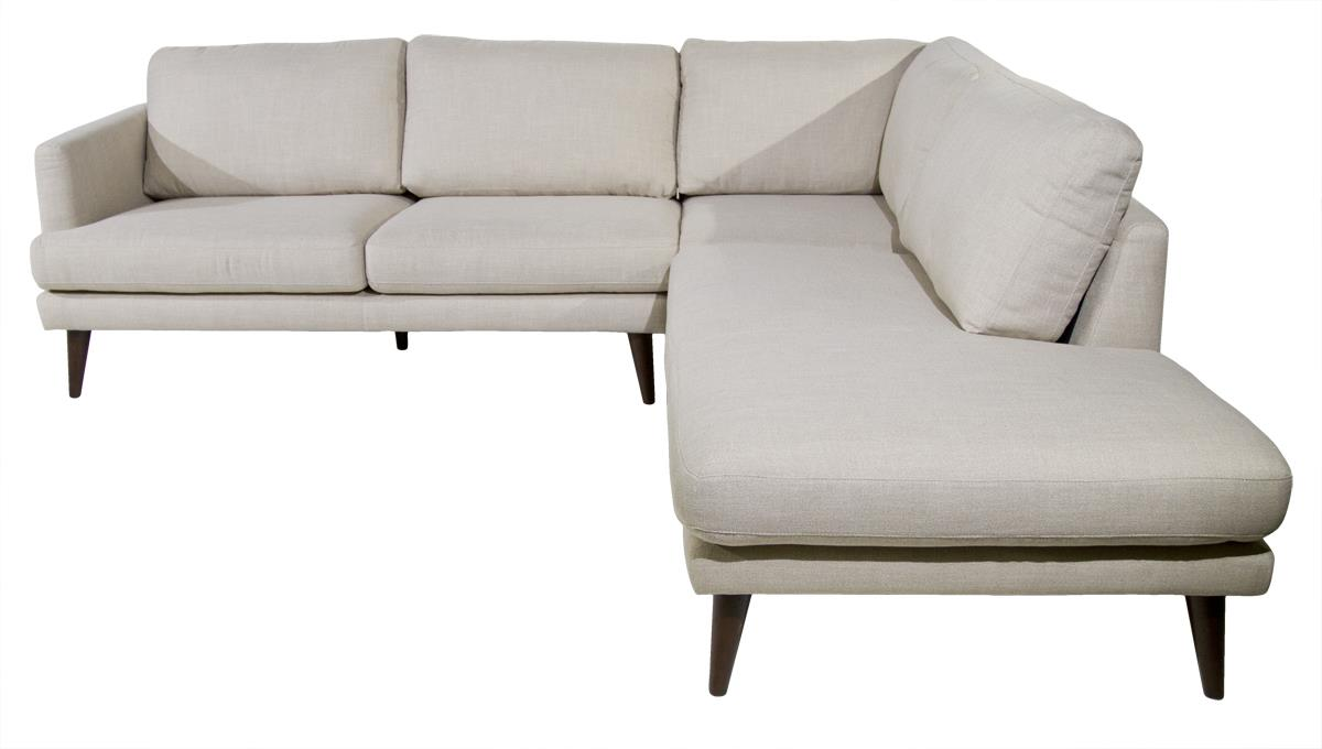 Violino Randall Sectional With Right Chaise   Item Number: 31228 PL  RANDAL ECRU
