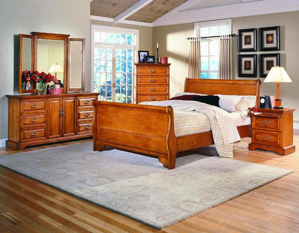 Madison Manor Oak Classics 5 Piece Queen Bedroom Set   Item Number: 1133  Queen