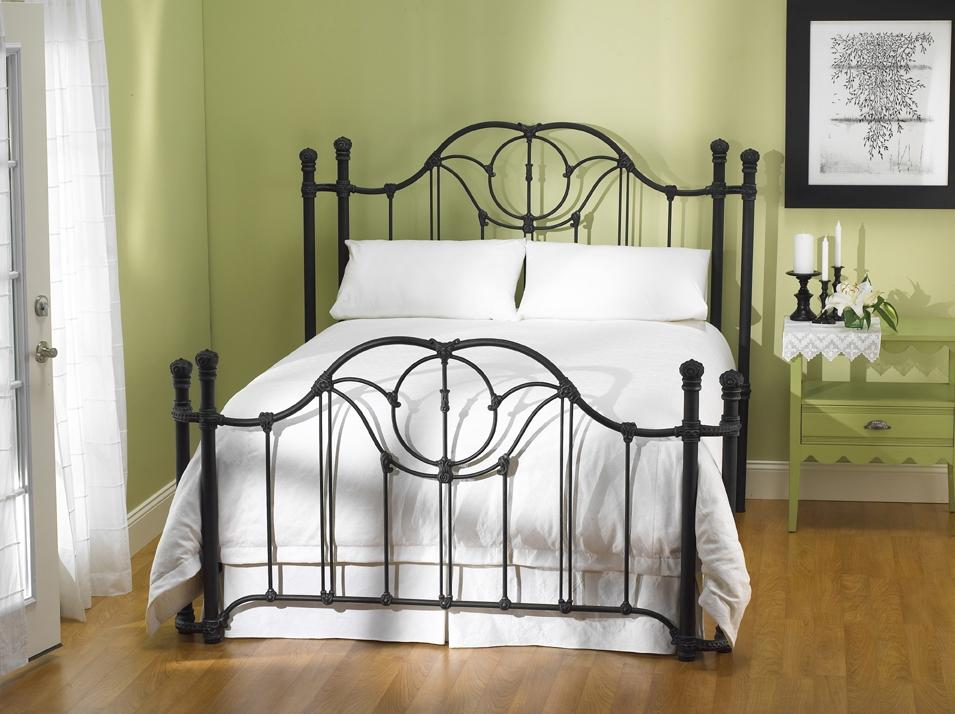 Wesley Allen Iron Beds Queen Kenwick Poster Bed - Item Number: CBRP1029Q