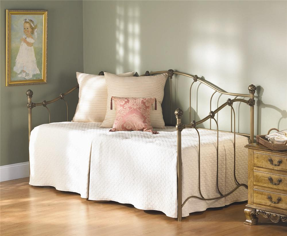 Wesley Allen Iron Beds Woodley Daybed - Item Number: SB4185