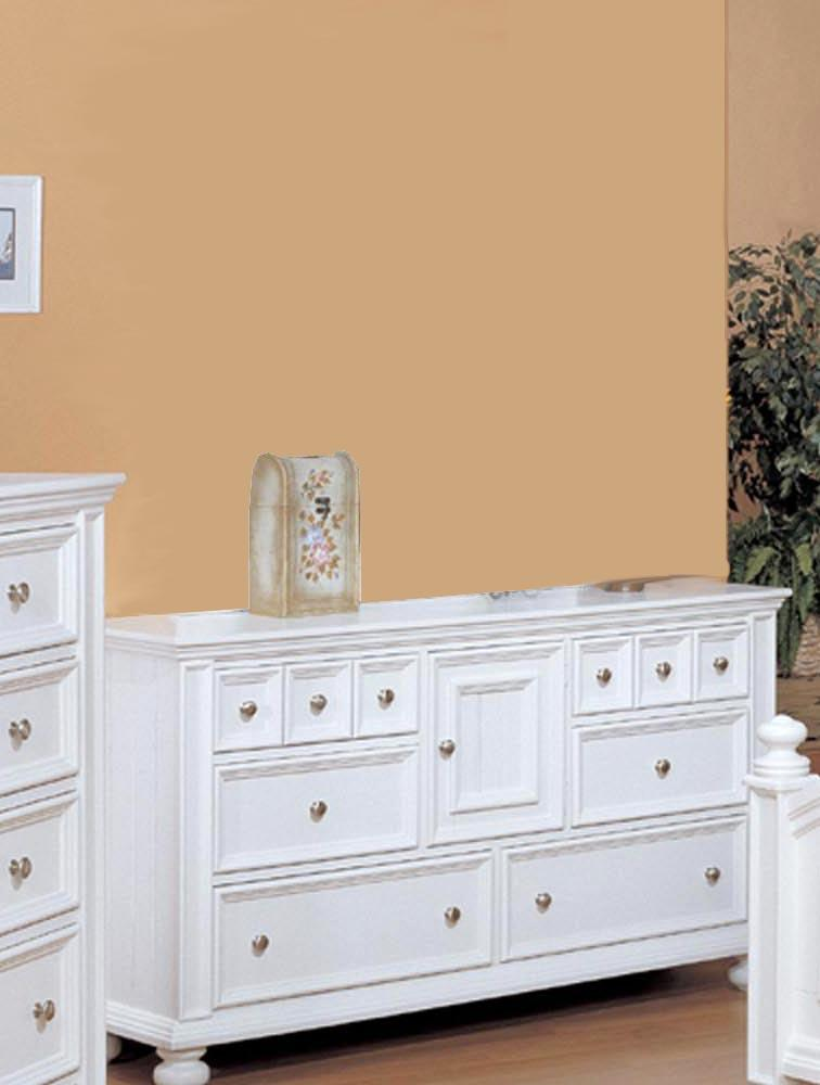 Winners Only Yarmouth Six Drawer Dresser - Item Number: BP1006