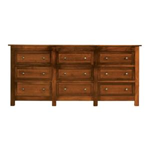 Witmer Furniture Taylor J 9-Drawer Triple Dresser