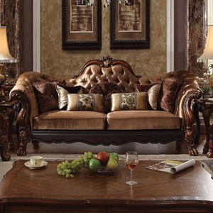 Traditional European Style Camel Back Sofa with 7 Pillows