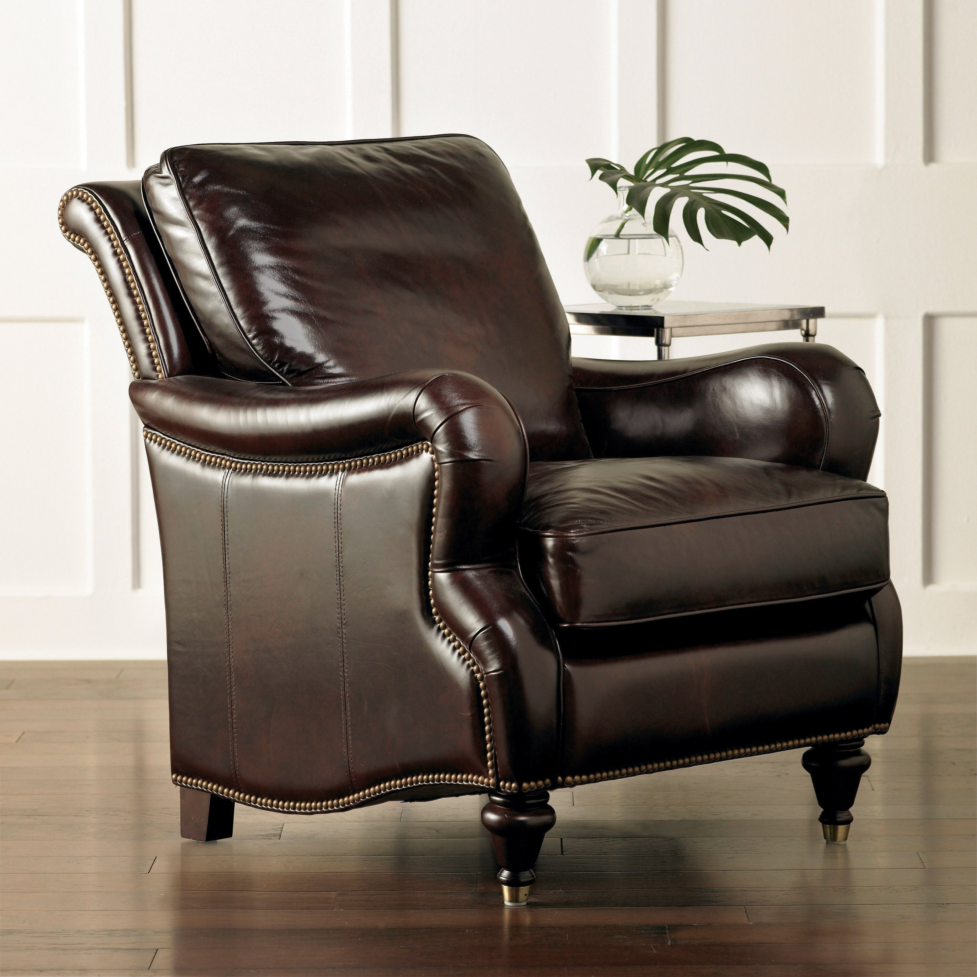 Oxford Accent Chair by Bassett at Bassett of Cool Springs