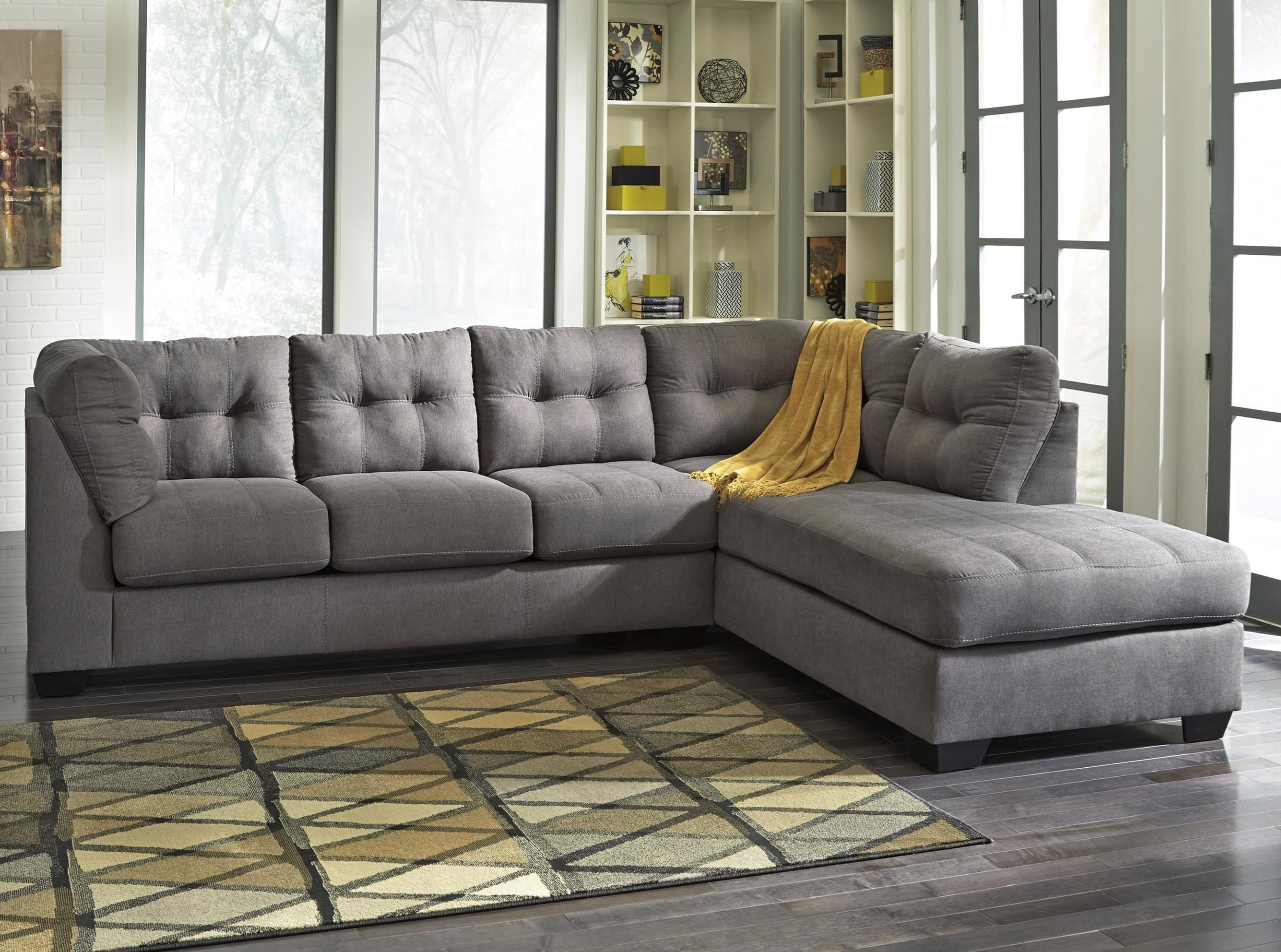 Maier 2-Piece Sectional with Chaise by Benchcraft at Zak's Home Outlet