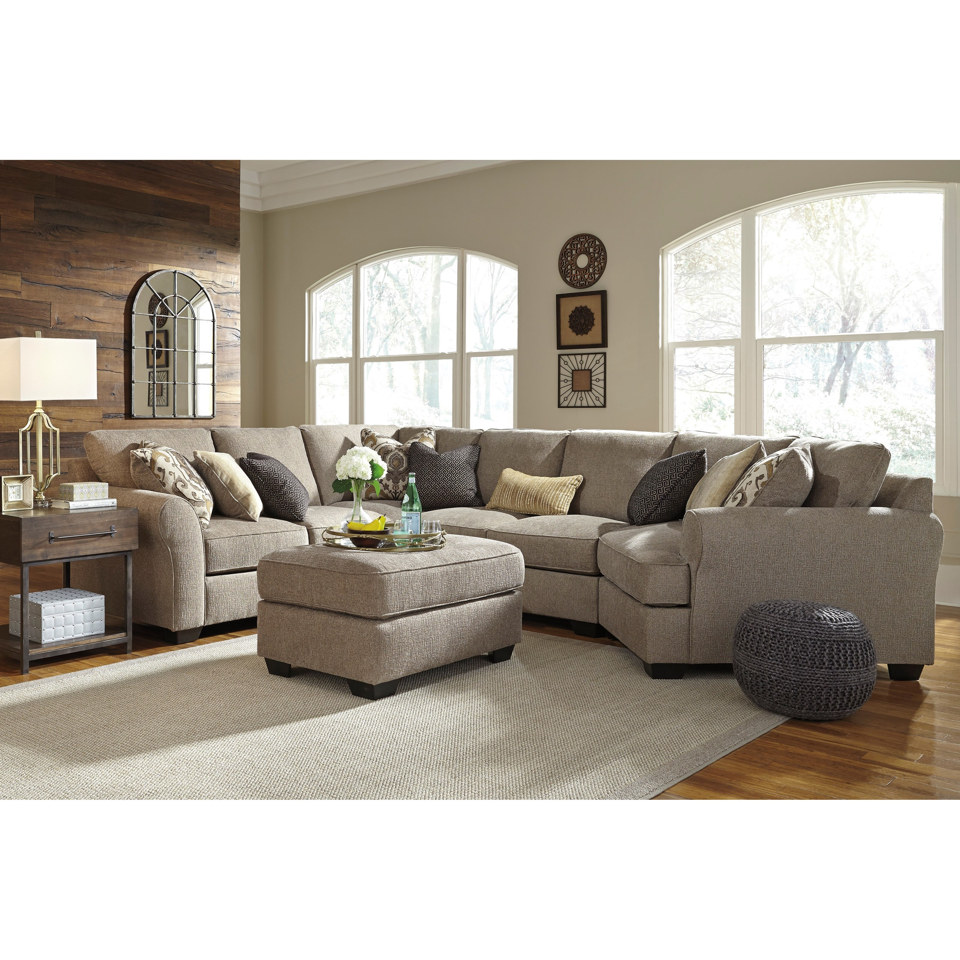Pantomine 4-Piece Sectional with Ottoman by Benchcraft at Furniture Barn