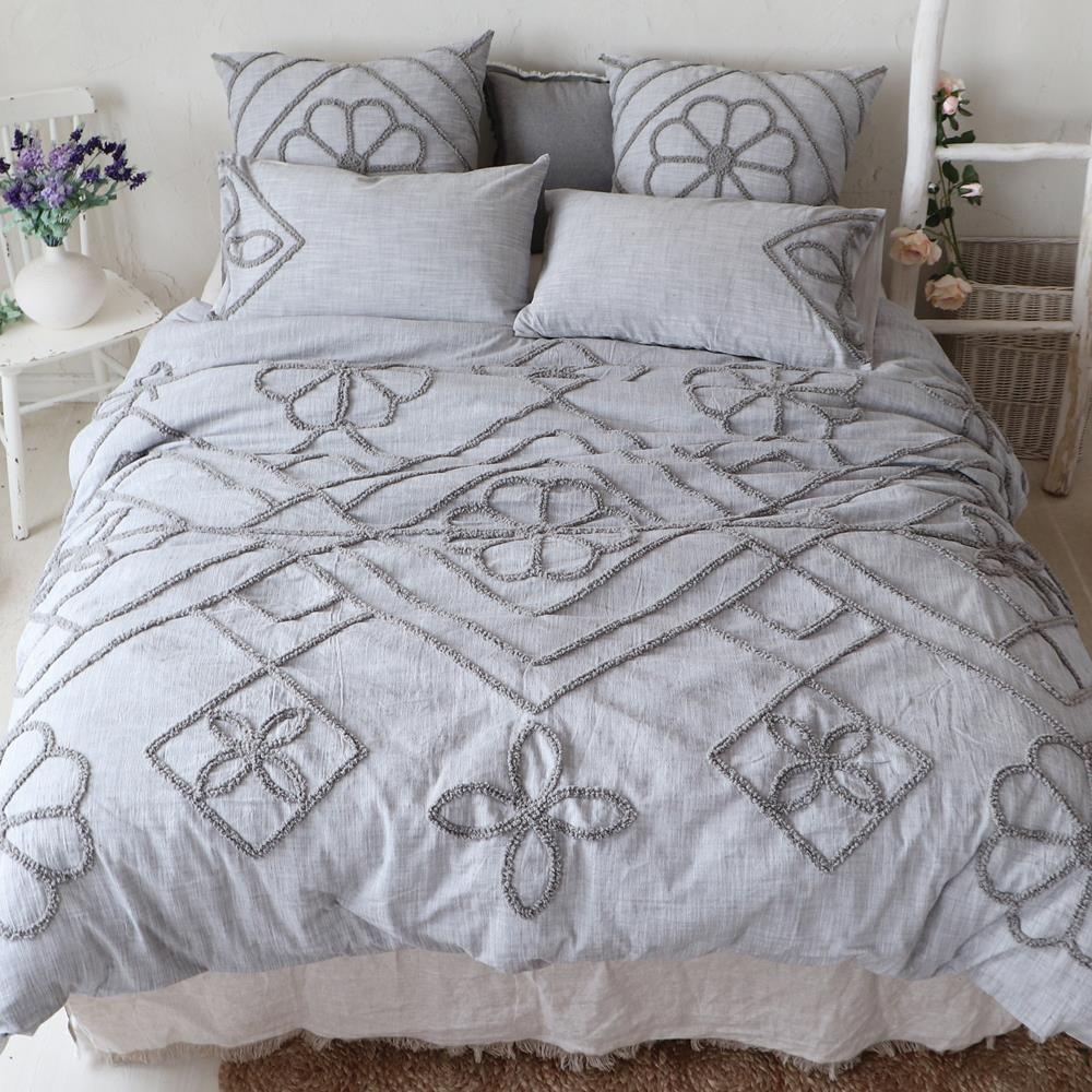Bedding King Sidonie 3 Piece Set by Brunelli at Stoney Creek Furniture