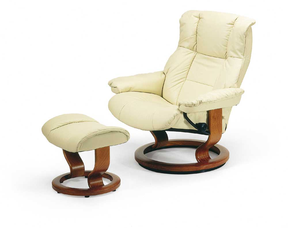 Mayfair Large Chair & Ottoman with Classic Base by Stressless at Fashion Furniture