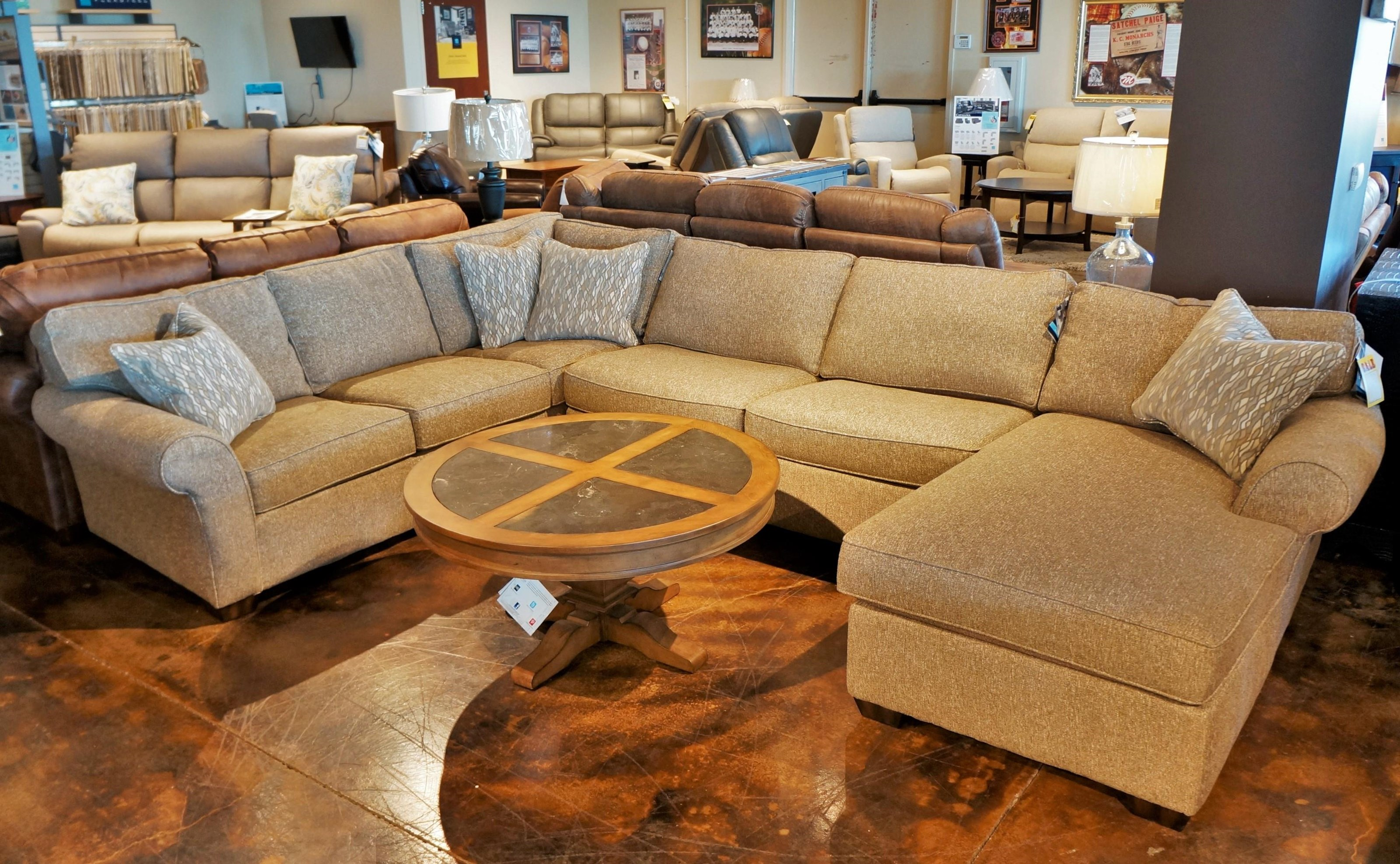Vail Three Piece Sectional with Chaise by Flexsteel at Mueller Furniture