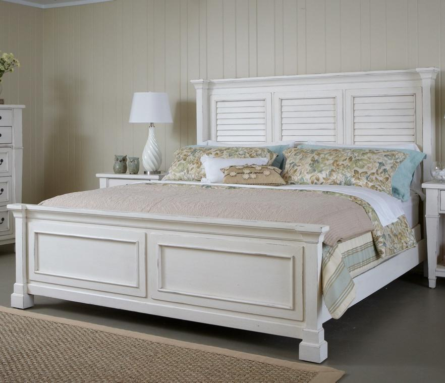 King Bed with Shutter Headboard and Panel Footboard