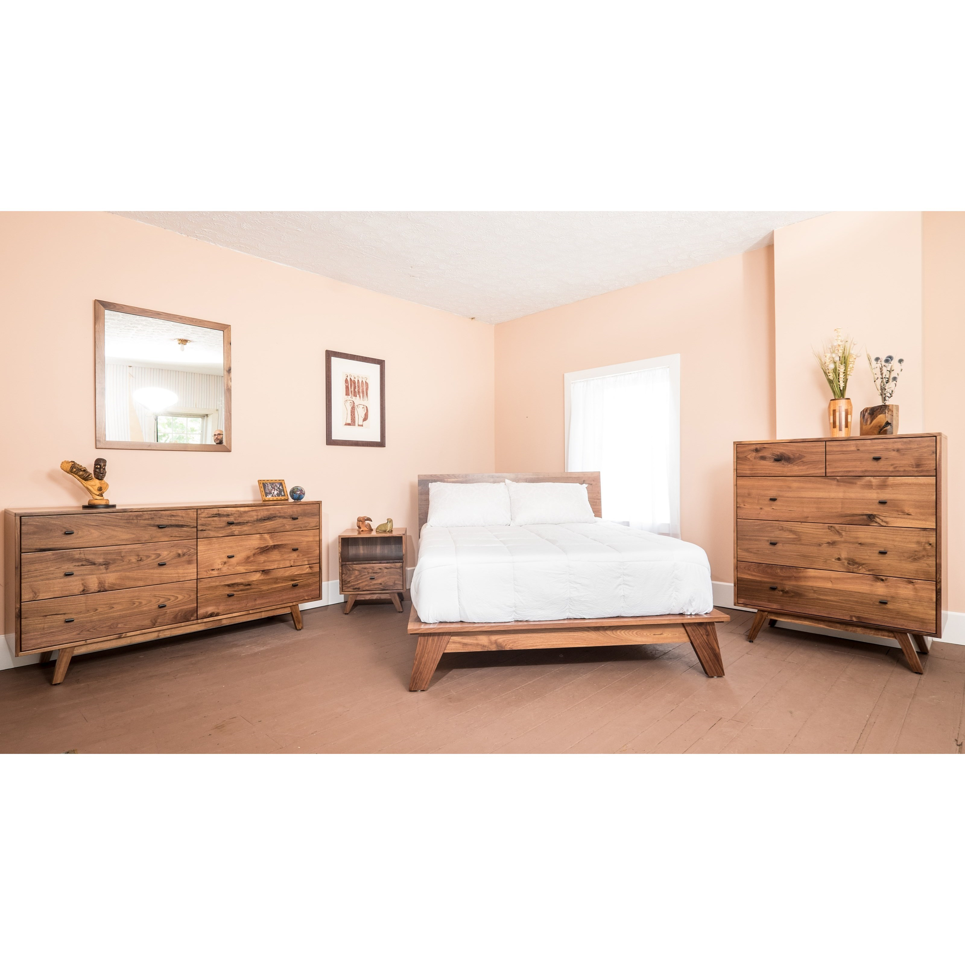Sullivan Lake Customizable Queen Bedroom Group by Glenmont Furniture at Saugerties Furniture Mart
