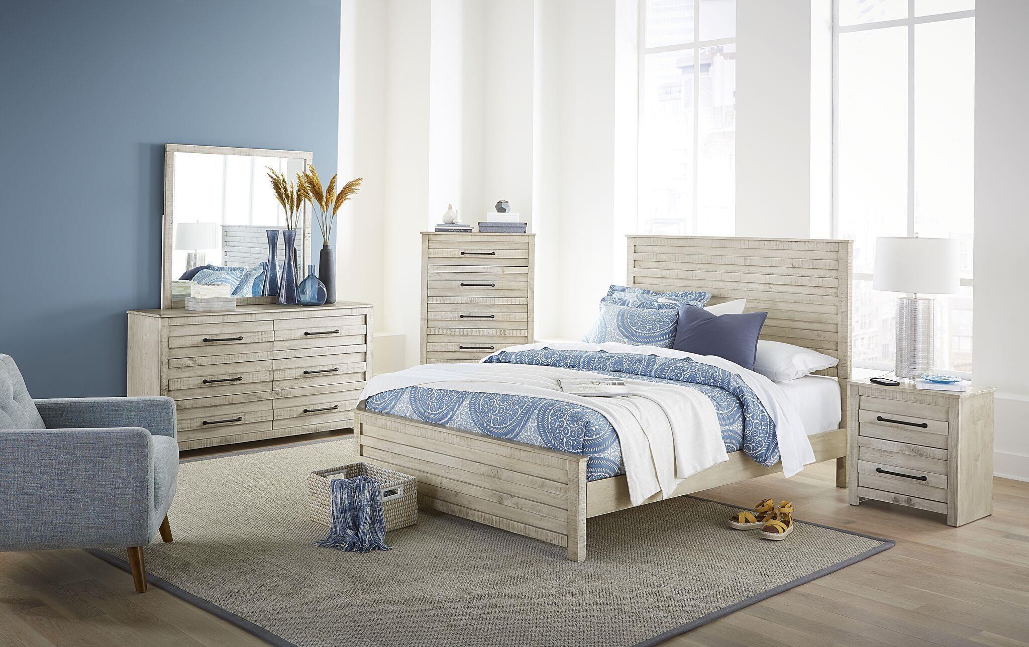 Villa 4 Piece Queen Bedroom Set by Hillsdale at Johnny Janosik