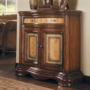 Hooker Furniture Vineyard Two-Tone Shaped Hall Chest