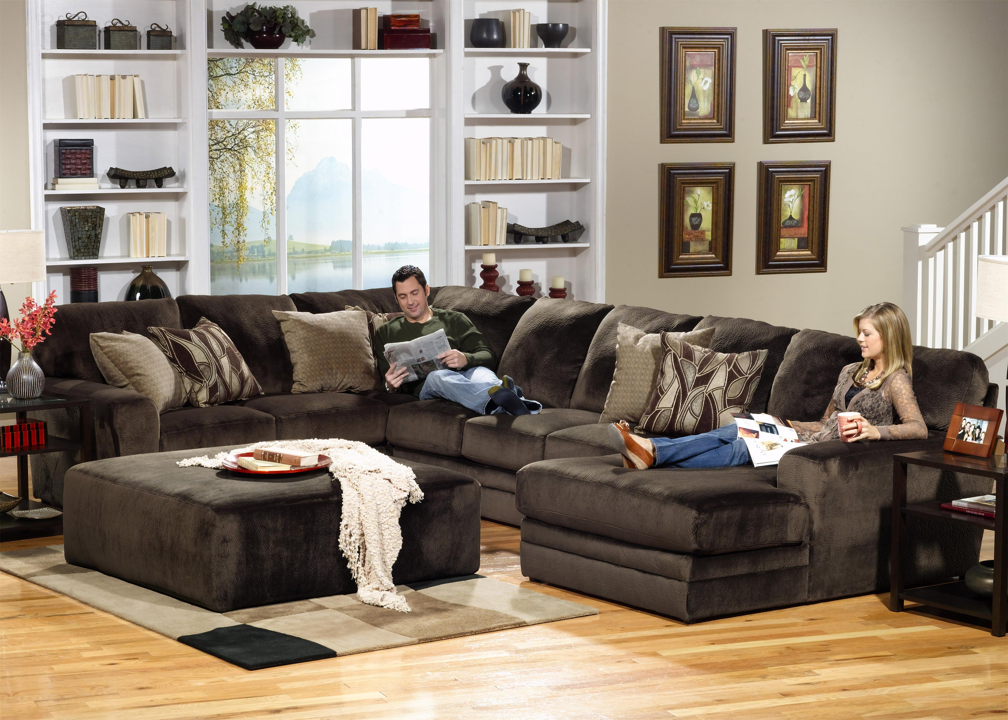 4377 Everest Sectional Sofa by Jackson Furniture at Lindy's Furniture Company