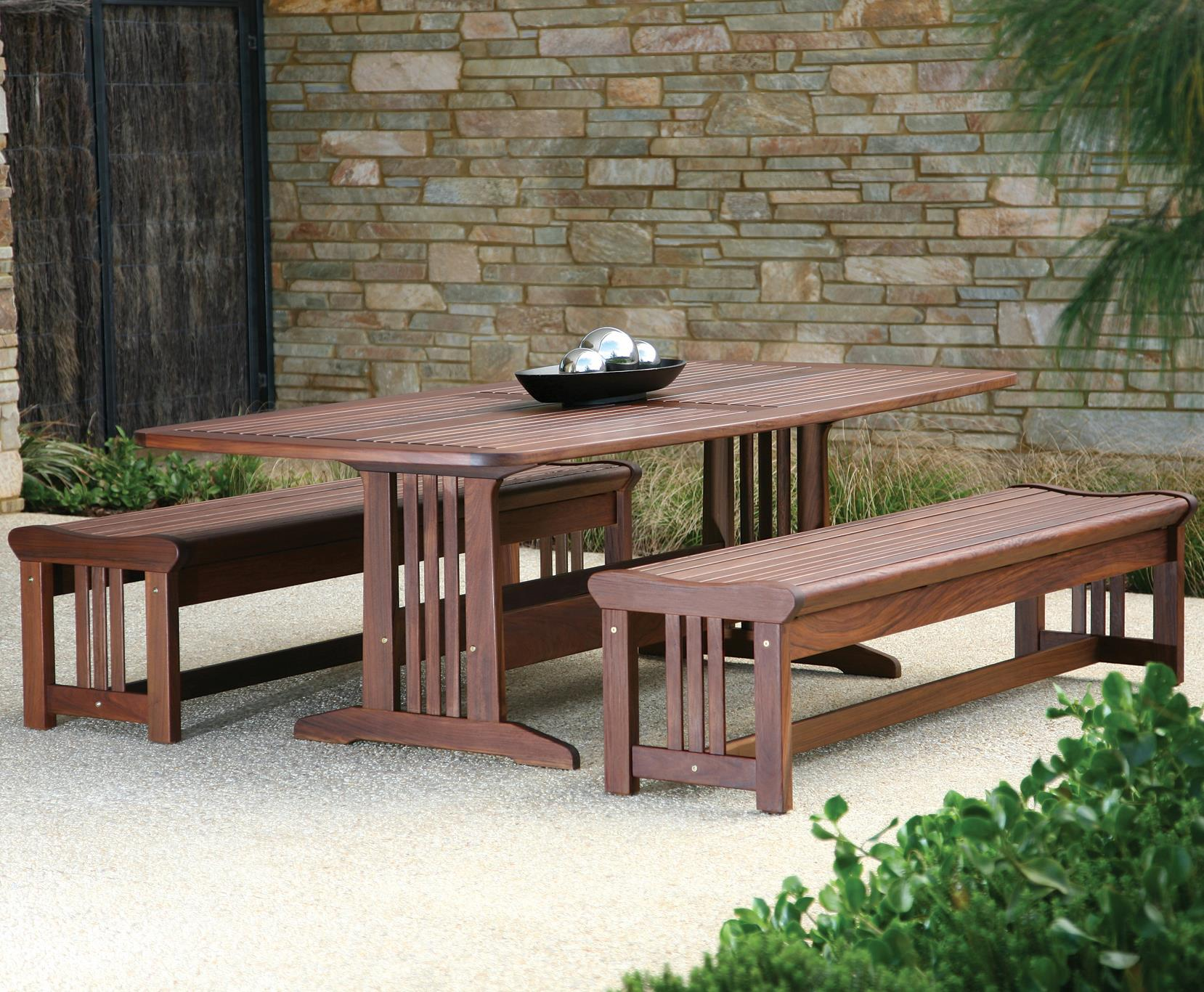 Governor Dining Dining Set with Benches by Jensen Leisure at Malouf Furniture Co.