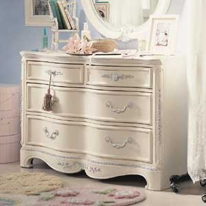 Lea Industries Jessica McClintock Romance 4 Drawer Dresser