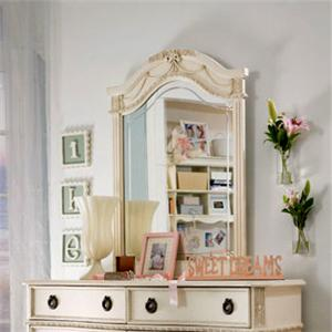 Lea Industries Emma's Treasures Vertical Mirror