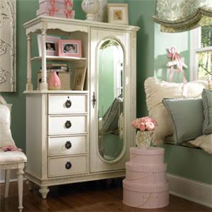 Lea Industries Emma's Treasures Mirror Door Chest