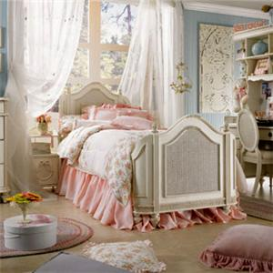 Lea Industries Emma's Treasures Full Mansion Bed