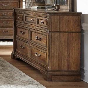 Traditional 7-Drawer Dresser