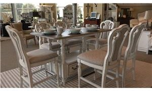 Liberty Furniture Magnolia Manor Dining Gathering Table & 6 Counter Height Chairs