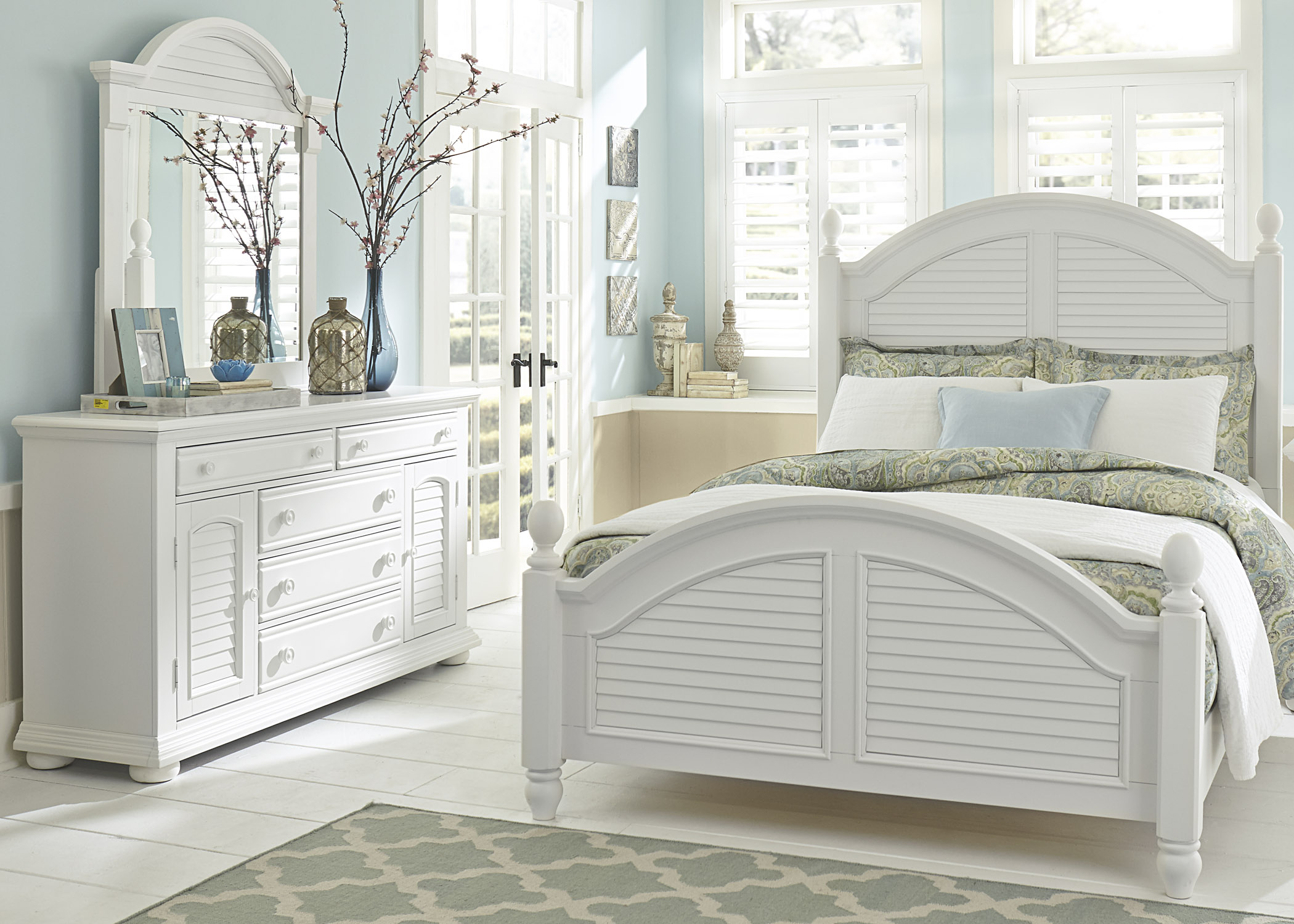 Summer House Queen Bedroom Group by Liberty Furniture at Dean Bosler's