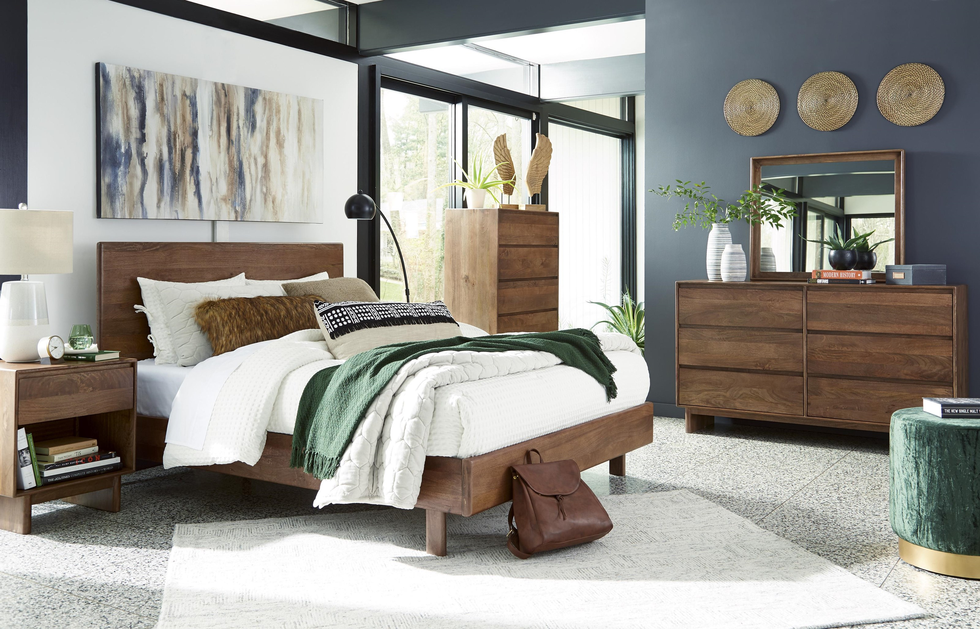 Isanti 6 Piece Queen Panel Bedroom Set by Millennium at Sam Levitz Outlet