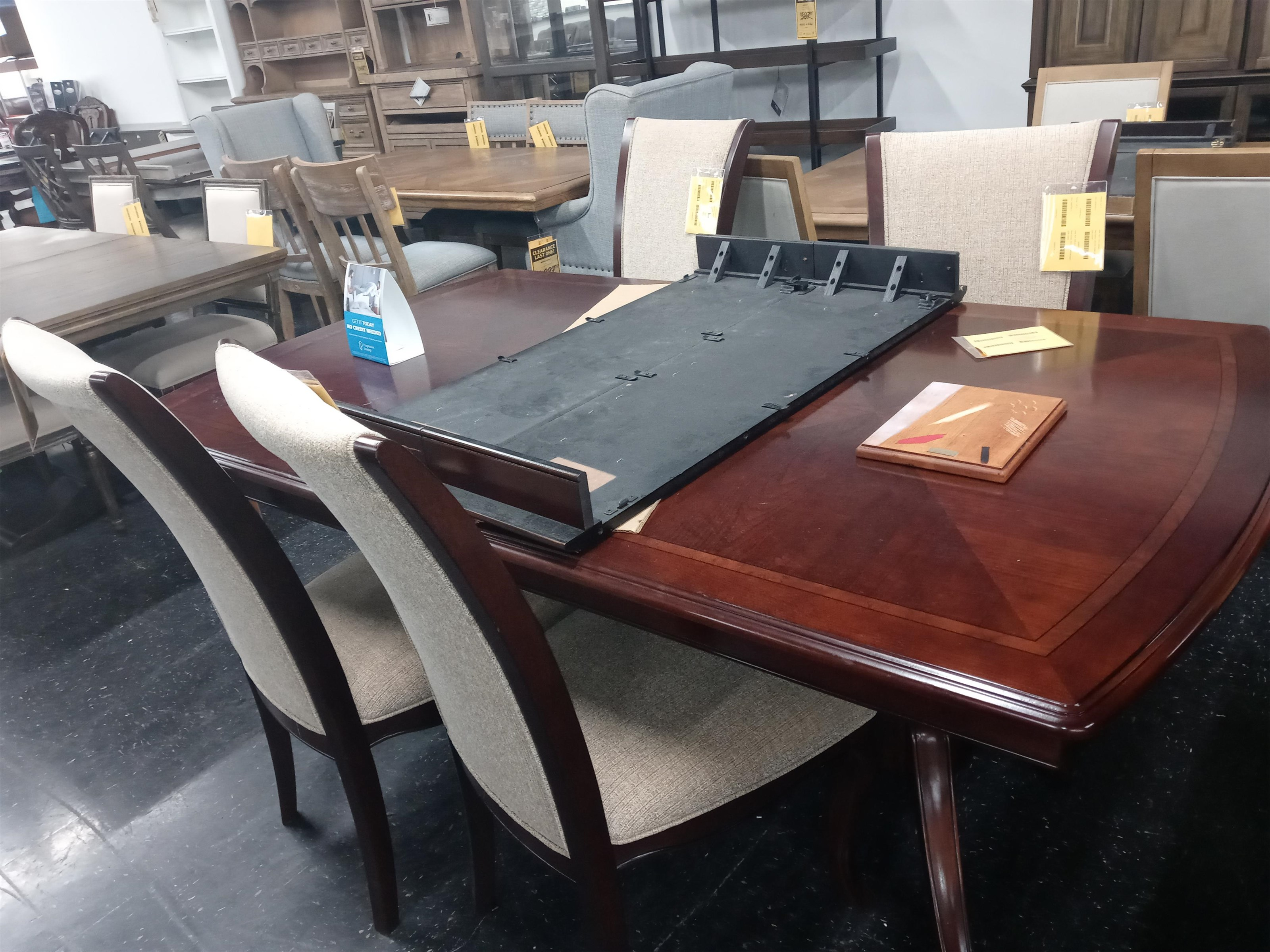 Last One Dining Set Last One! 5 Piece Dining Set! at Morris Home