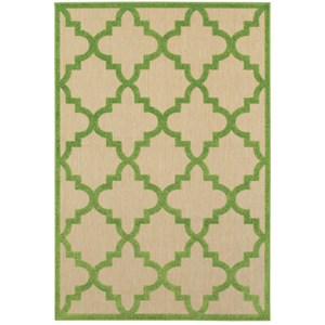 """7'10"""" X 10'10"""" Outdoor Sand/ Green Rectangle Rug"""