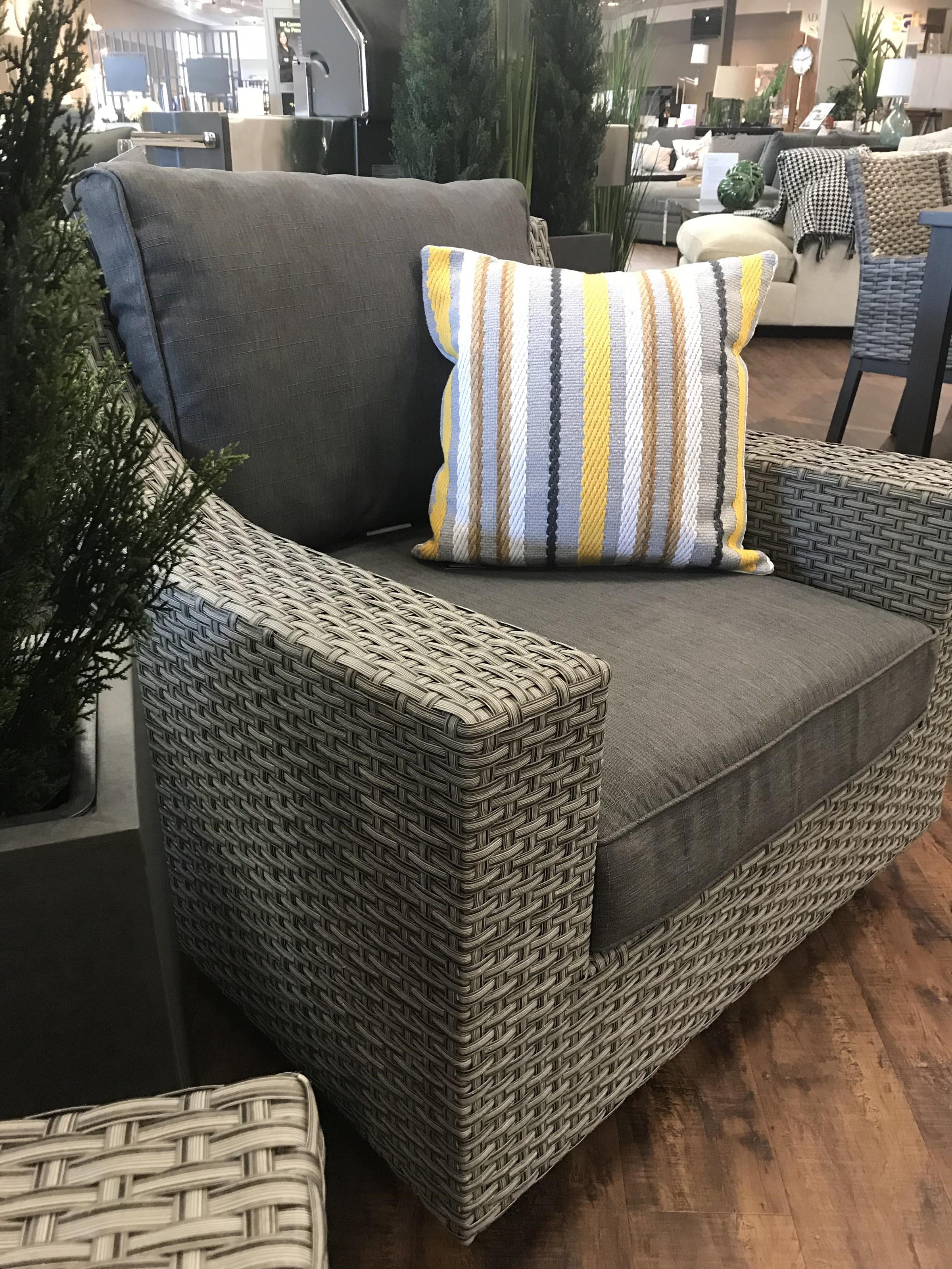 Newport Primo Wicker Swivel Chair by Primo International at Stoney Creek Furniture