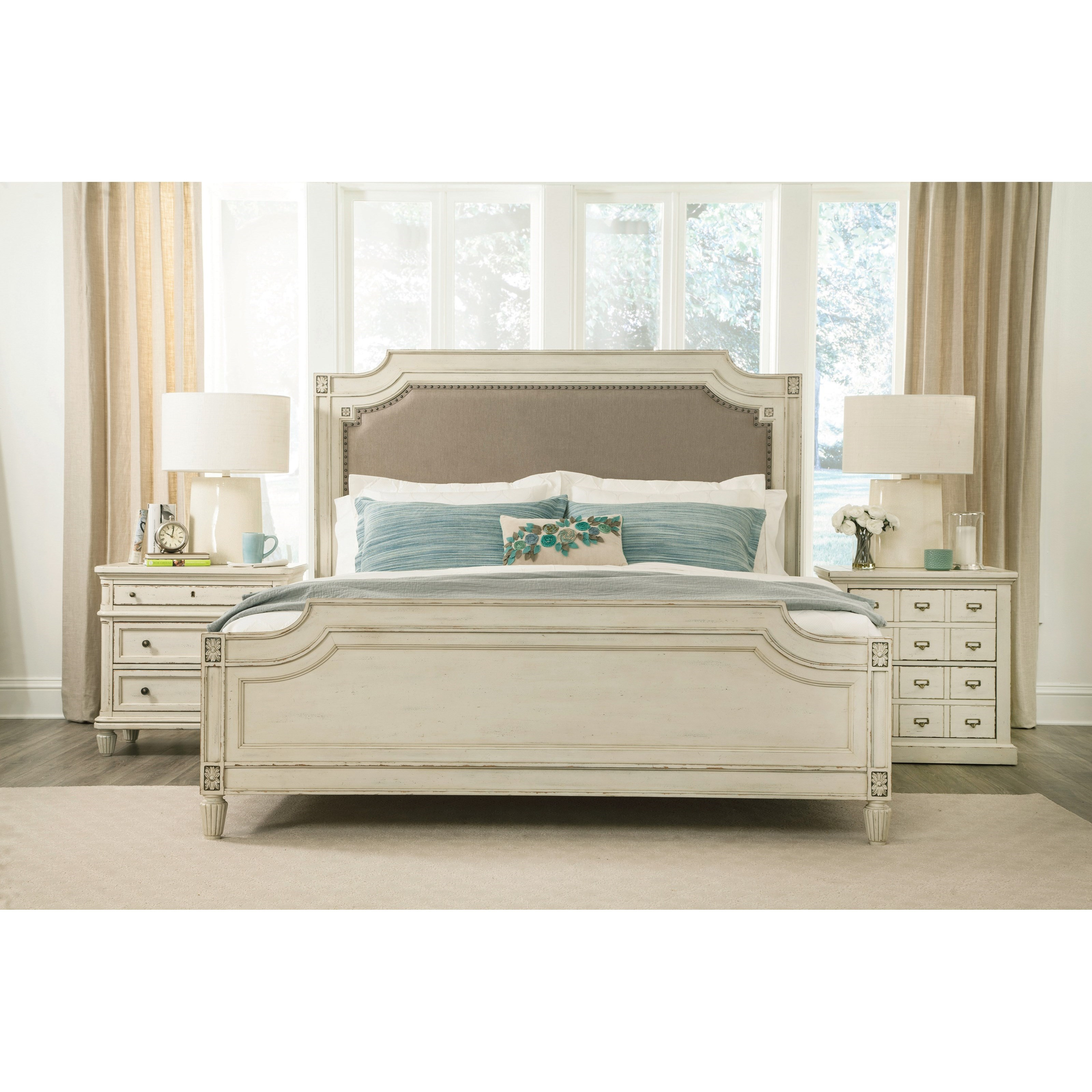 Huntleigh Queen Bedroom Group by Riverside Furniture at Zak's Home