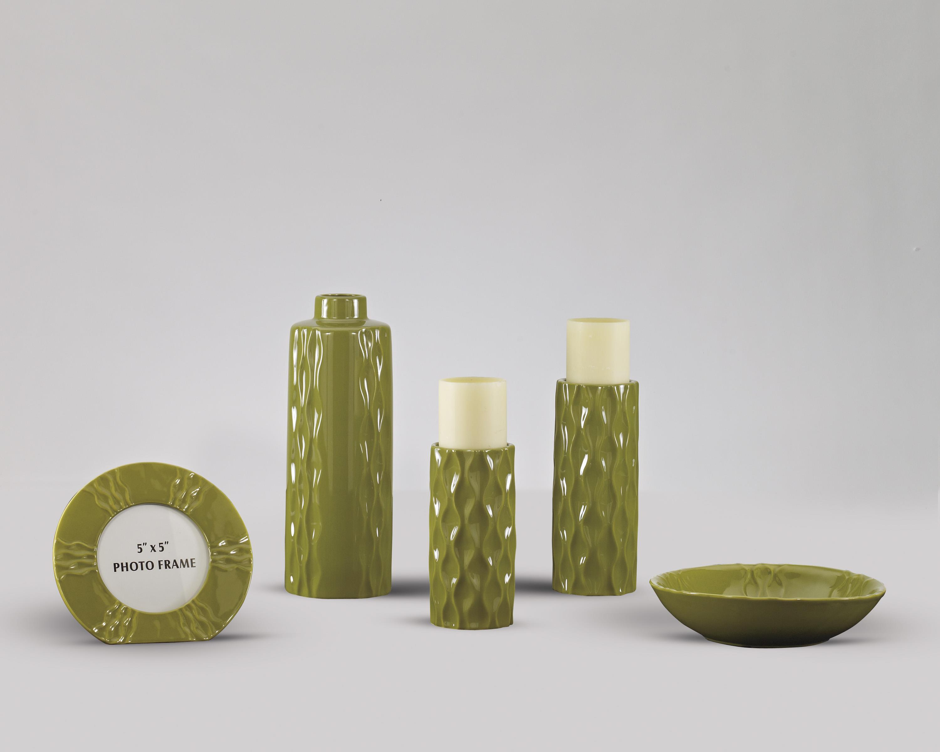 Accents Salinda - Green Accessory Set by Signature Design at Fisher Home Furnishings