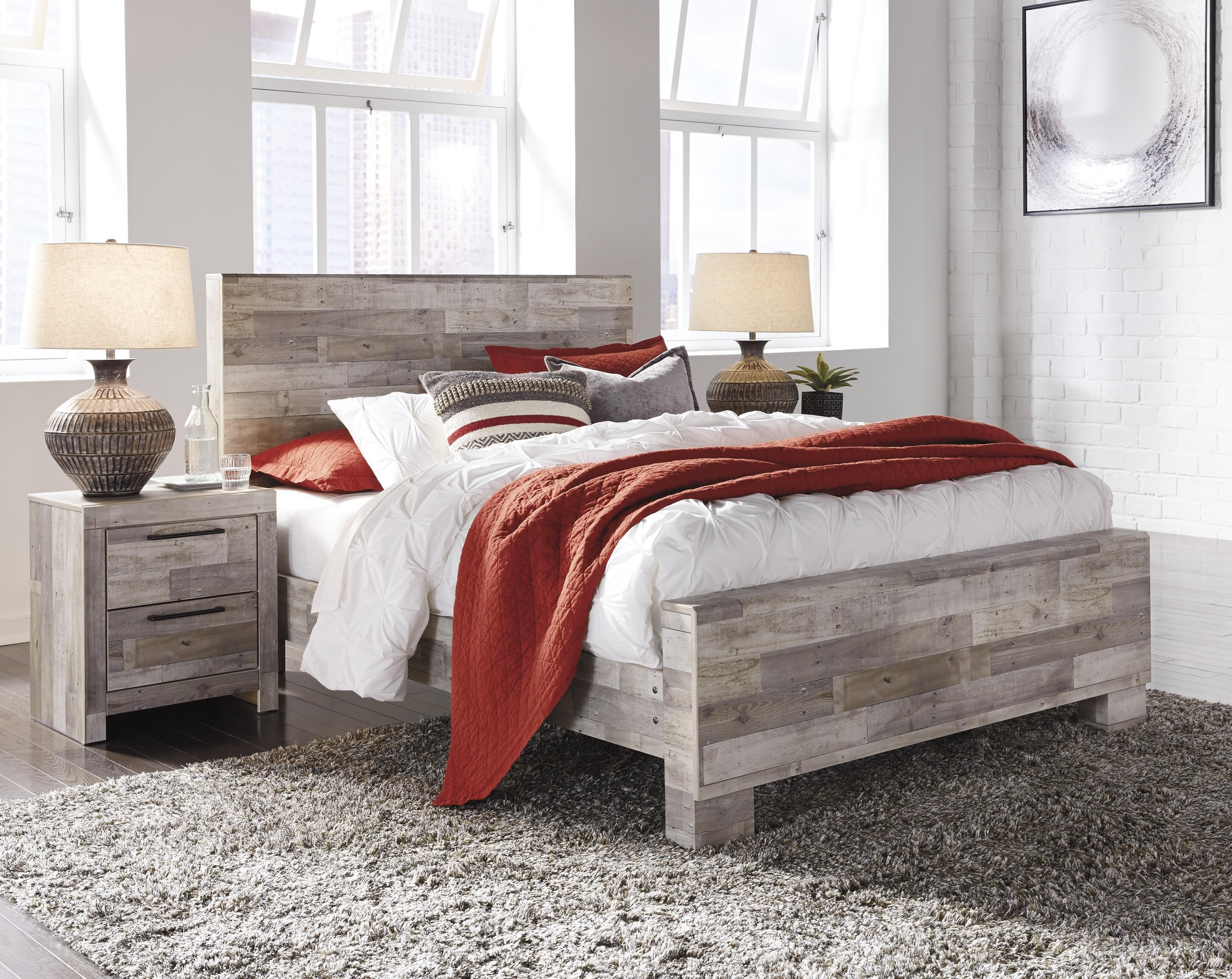 Effie Queen Panel Bed by Signature Design by Ashley at Furniture and ApplianceMart