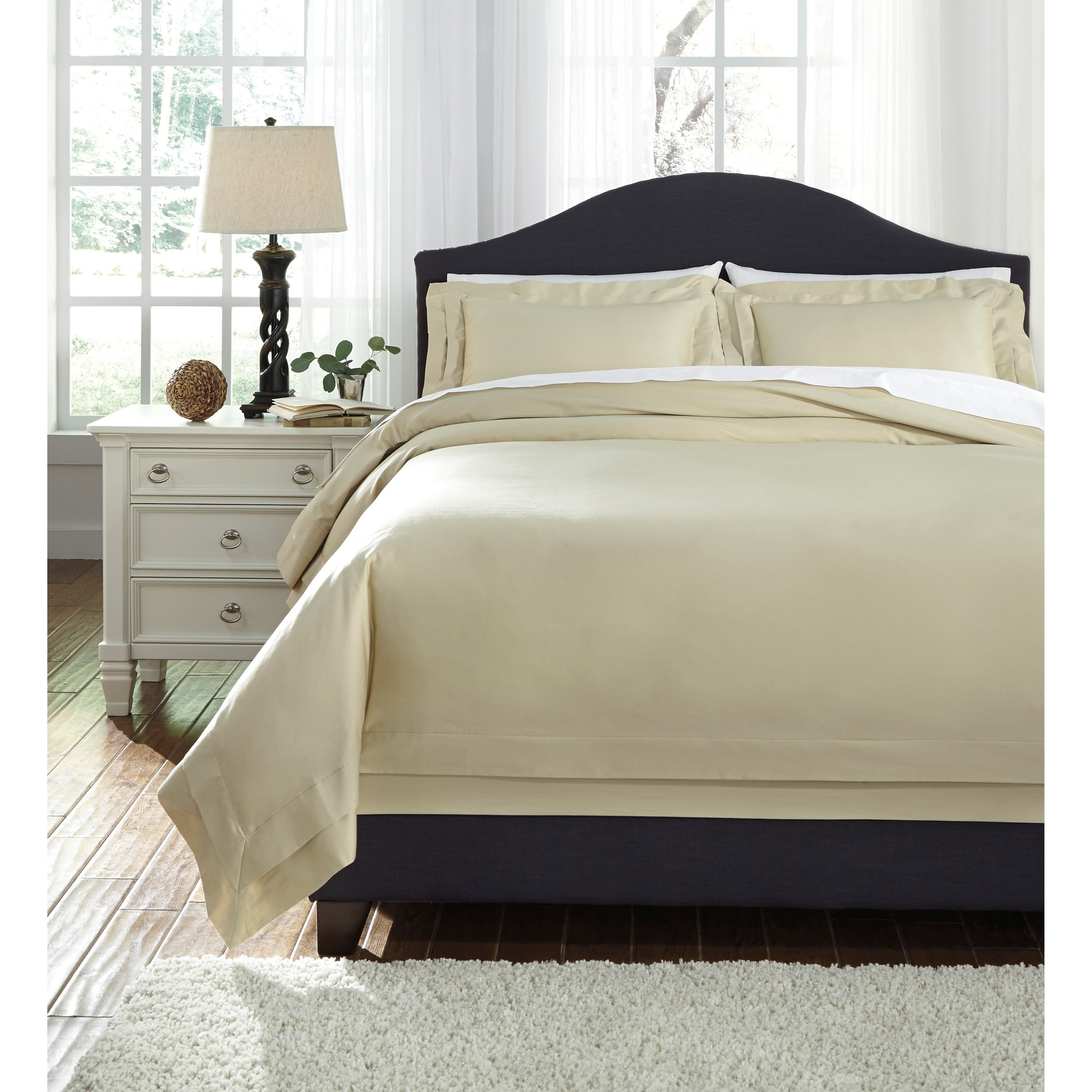 Bedding Sets Queen Chamness Sand Duvet Cover Set by Signature Design by Ashley at Lapeer Furniture & Mattress Center