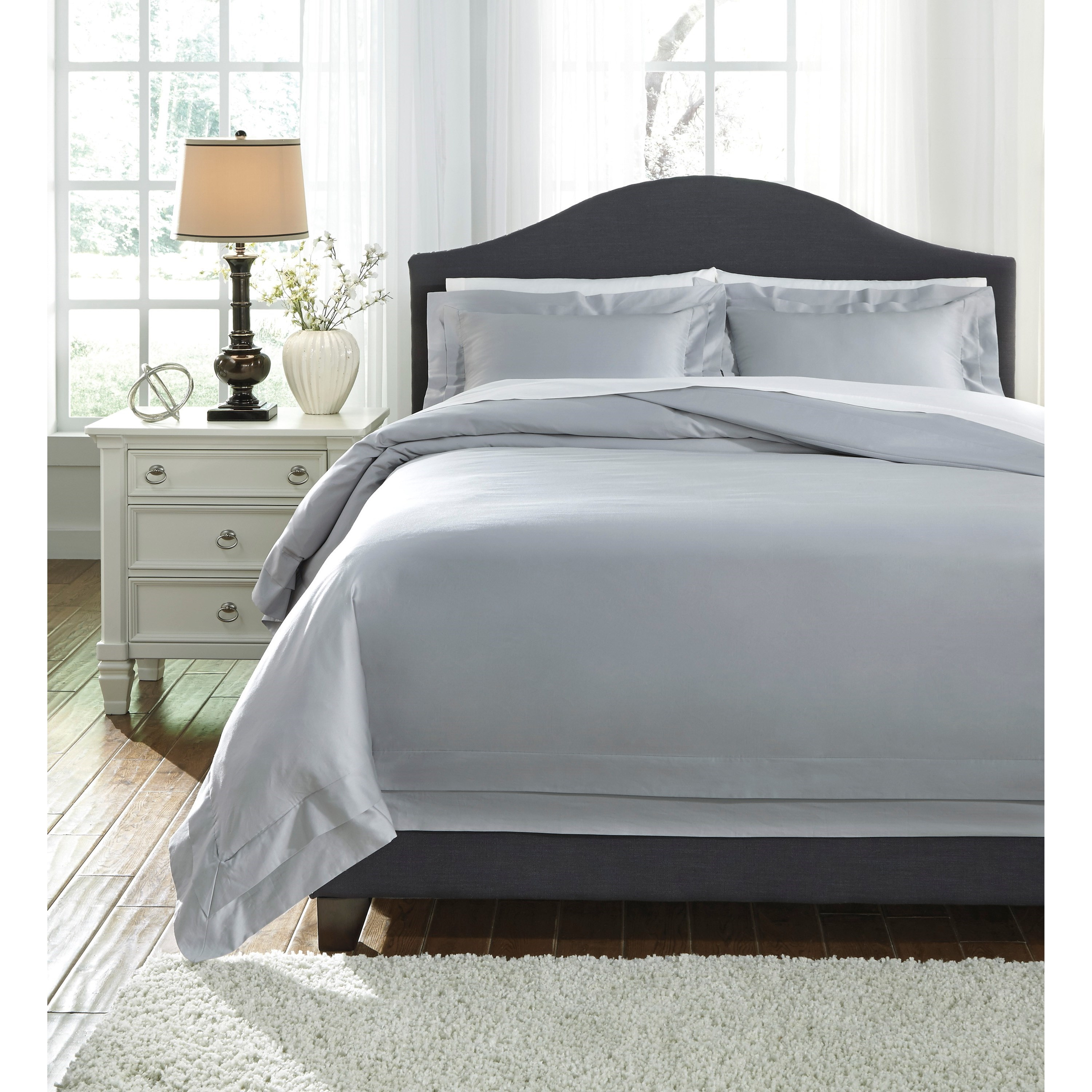 Bedding Sets Queen Chamness Gray Duvet Cover Set by Signature Design by Ashley at Lapeer Furniture & Mattress Center