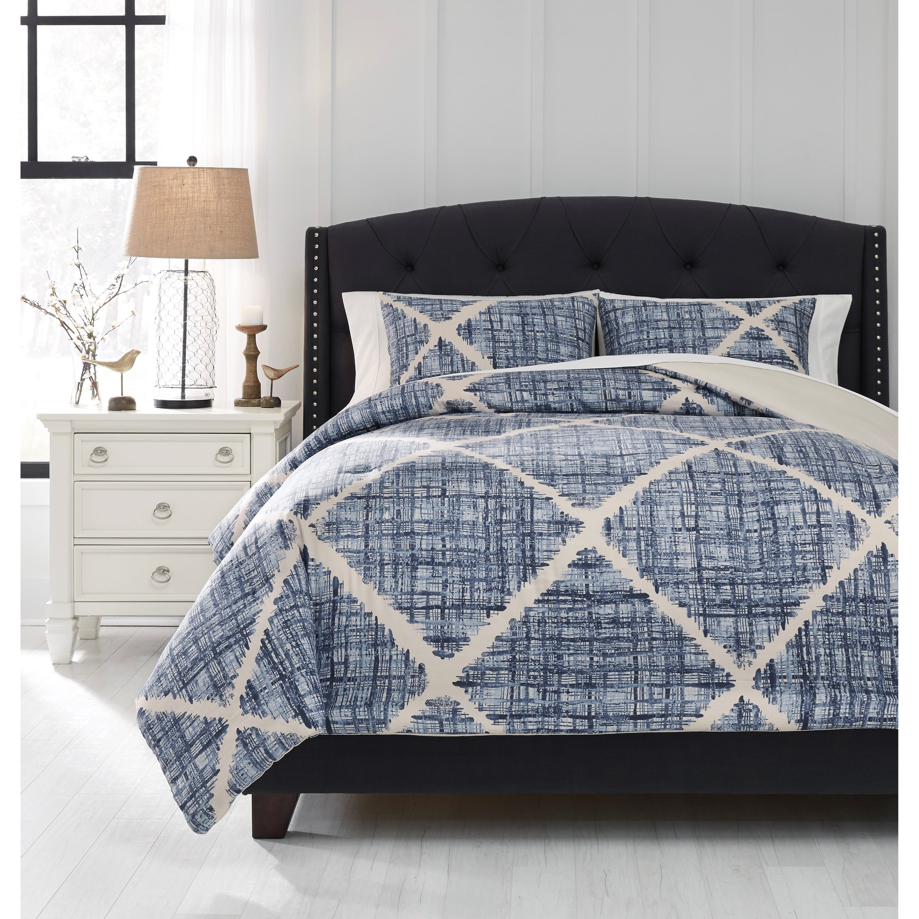 Bedding Sets Queen Sladen Blue/Cream Comforter Set by Signature Design at Fisher Home Furnishings