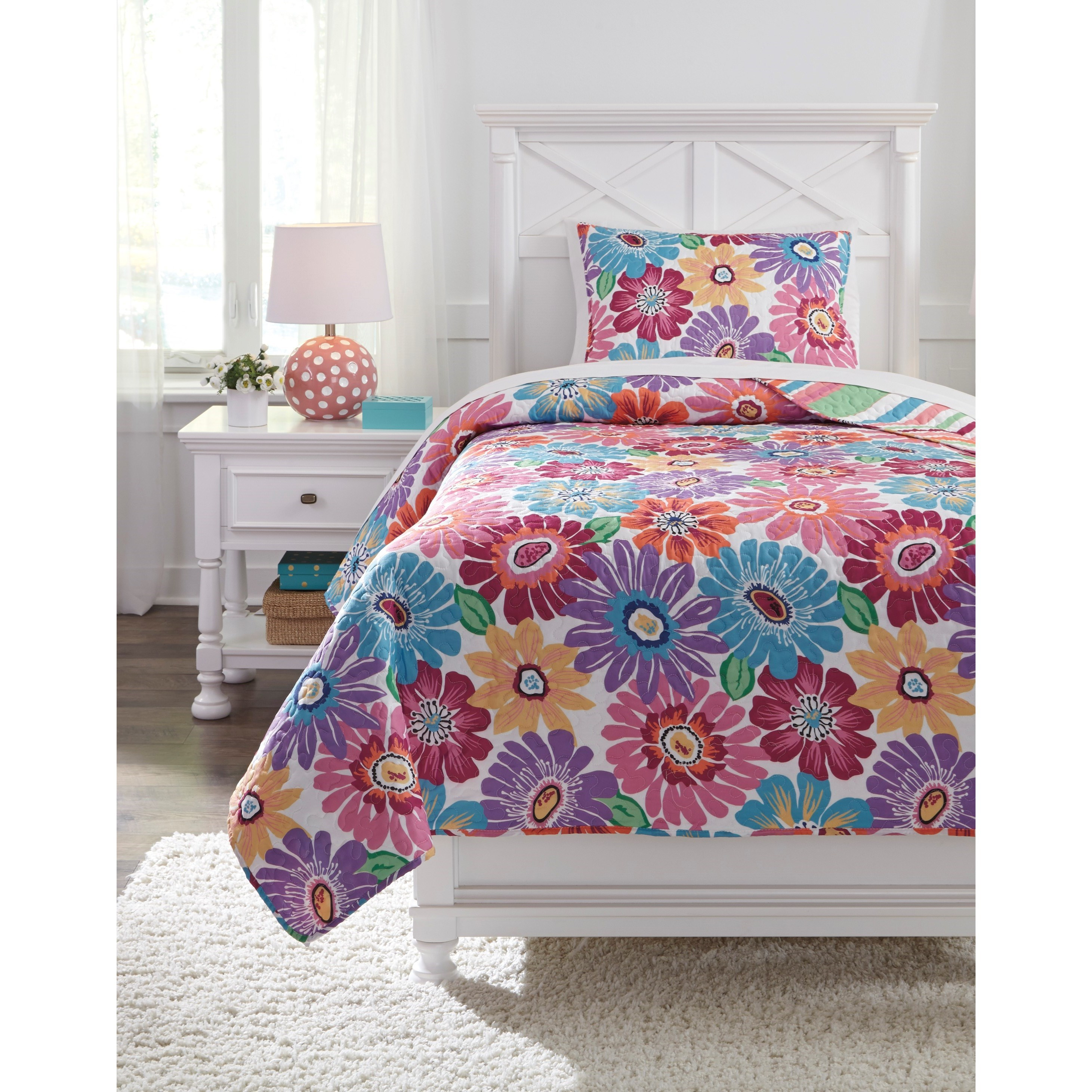 Bedding Sets Twin Alexei Quilt Set by Signature Design at Fisher Home Furnishings