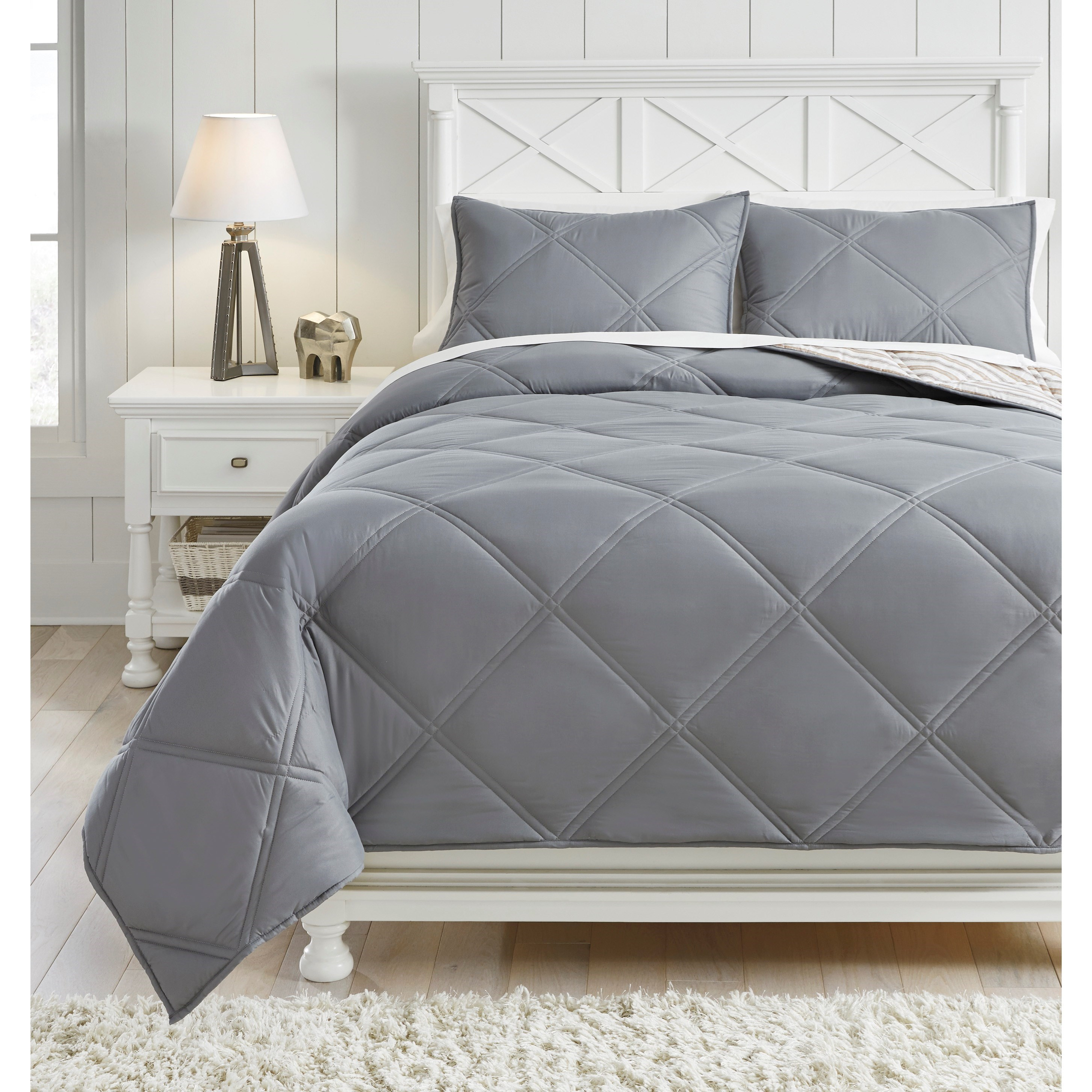 Bedding Sets Full Rhey Tan/Brown/Gray Comforter Set by Signature Design by Ashley at Household Furniture