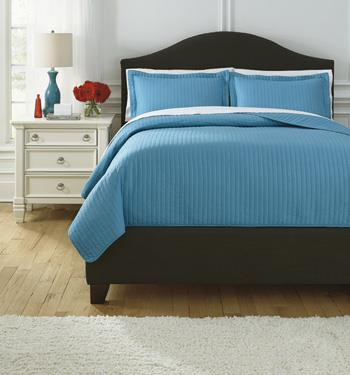 Bedding Sets Queen Raleda Turquoise Coverlet Set by Signature Design by Ashley at Lapeer Furniture & Mattress Center