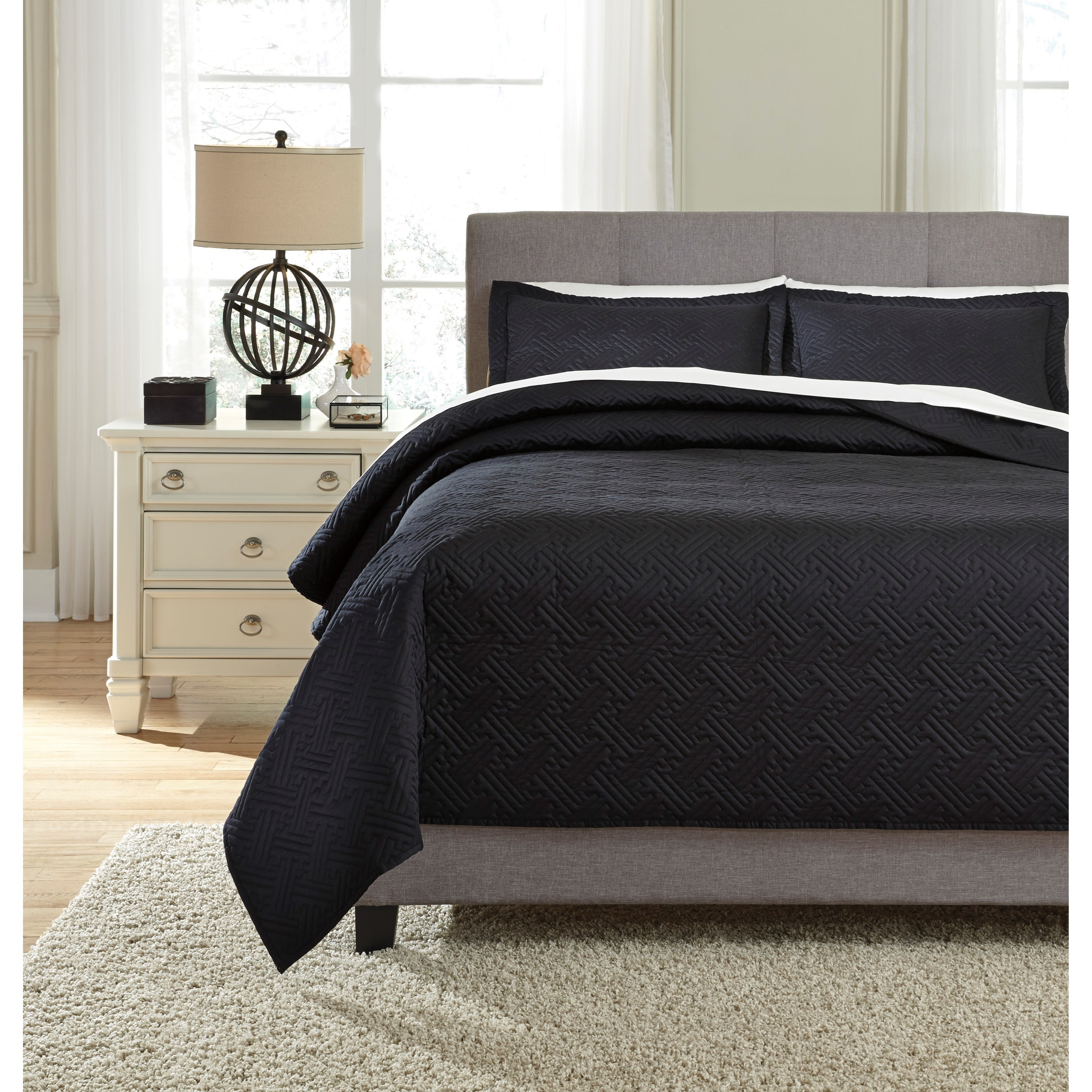 Bedding Sets Queen Aldis Black Coverlet Set by Signature Design by Ashley at Lapeer Furniture & Mattress Center