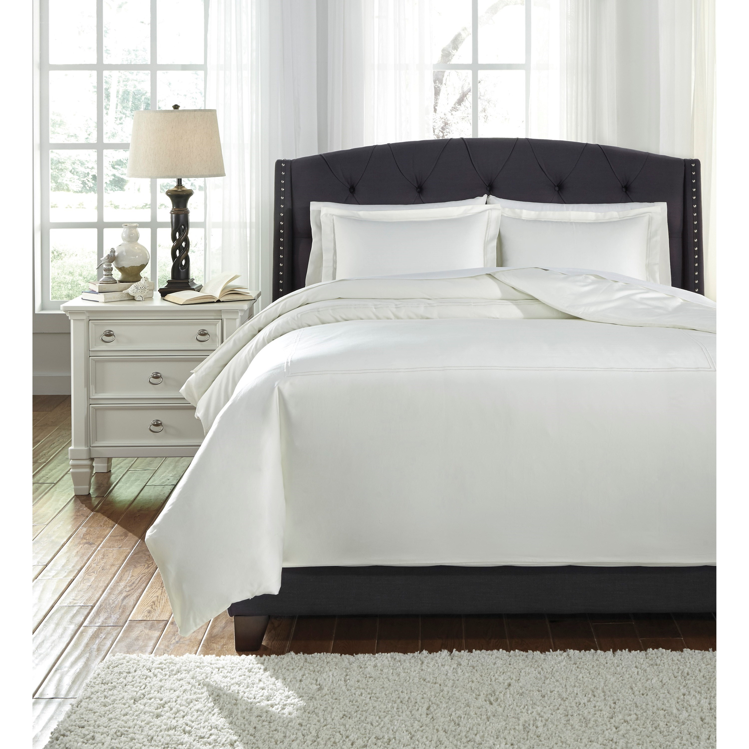 Bedding Sets Queen Maurilio White Comforter Set by Signature Design by Ashley at Household Furniture