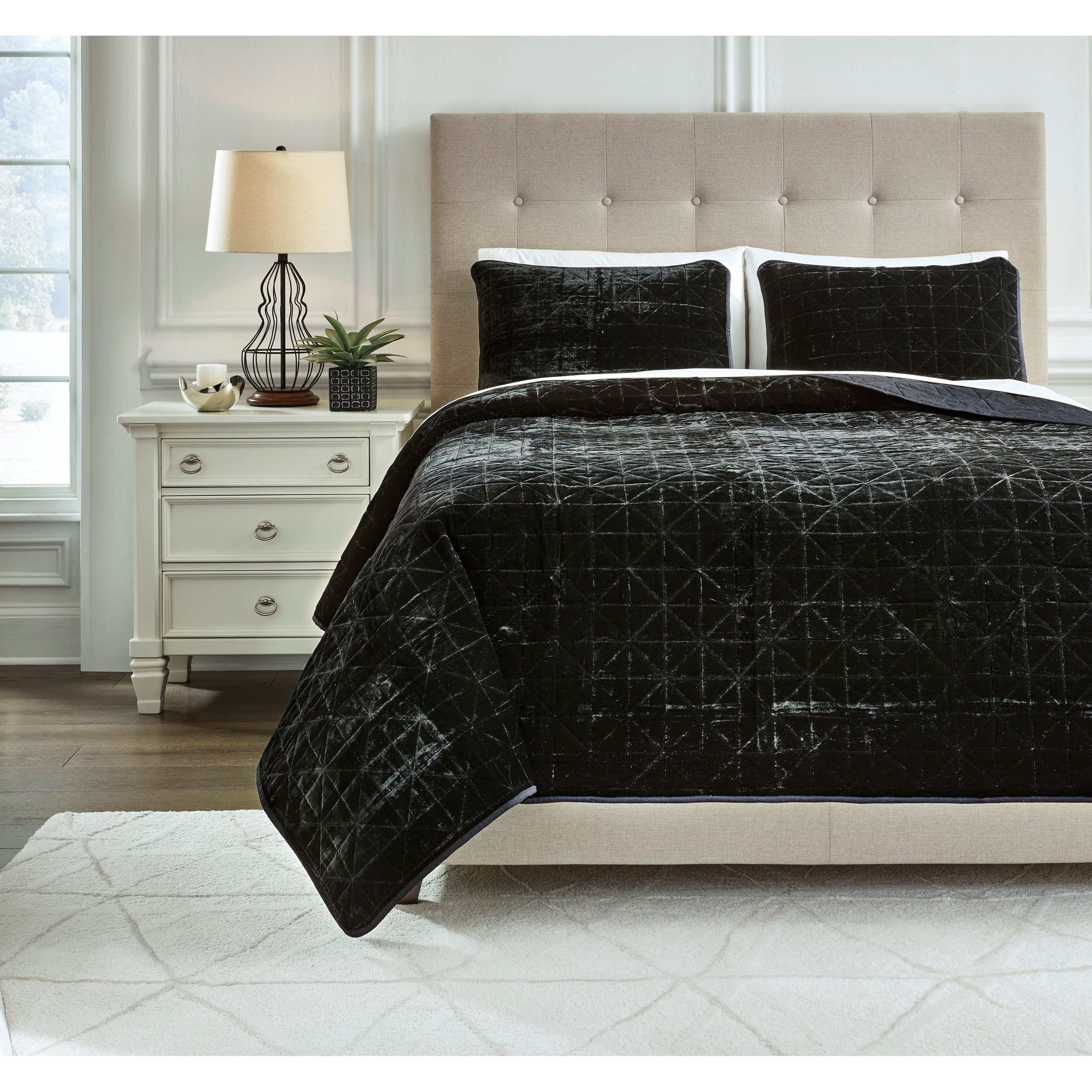 Bedding Sets Queen Dairick Black Quilt Set by Signature Design by Ashley at Household Furniture