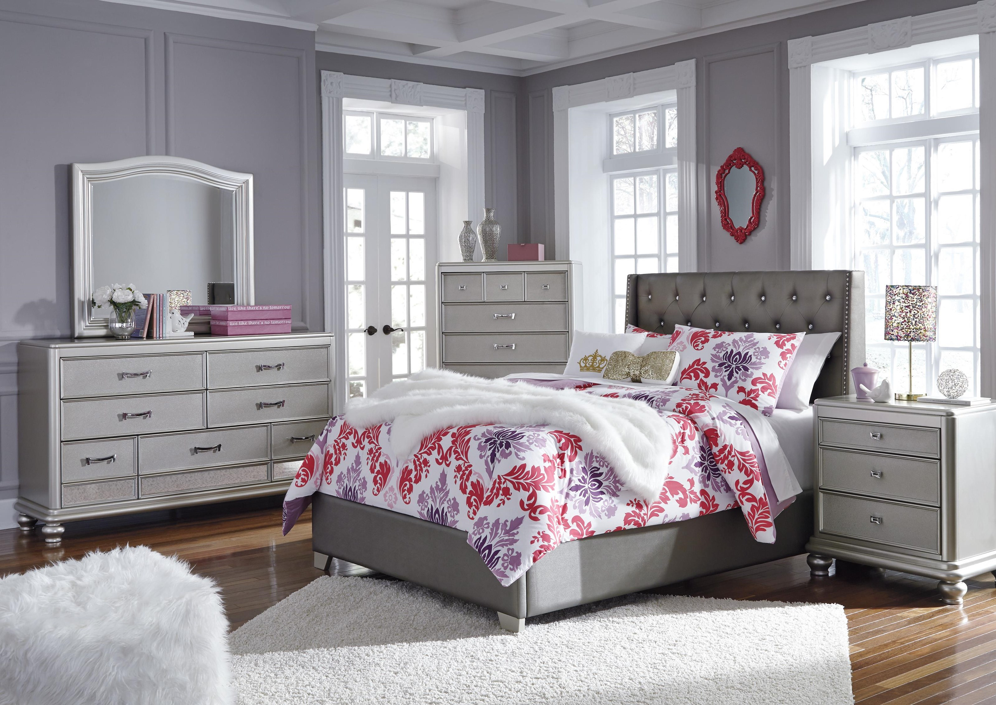 Coralayne 6 Piece Upholstered Full Bedroom Set by Signature Design by Ashley at Sam Levitz Outlet